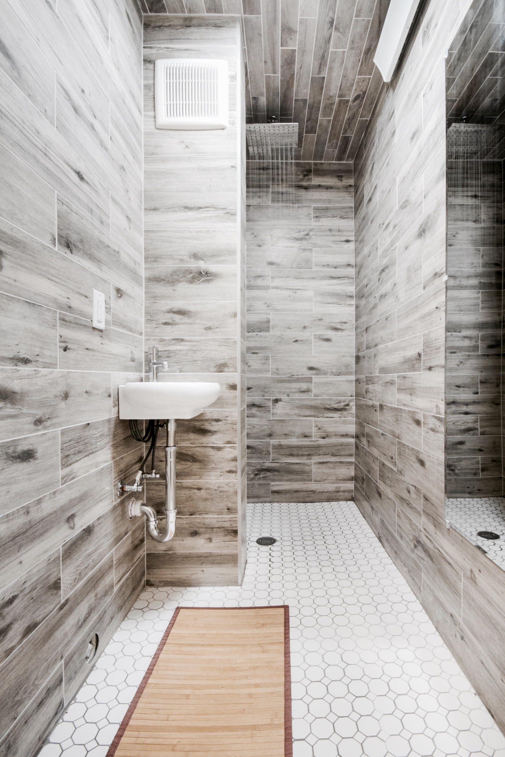 PRIVATE RAINFALL  SHOWERS