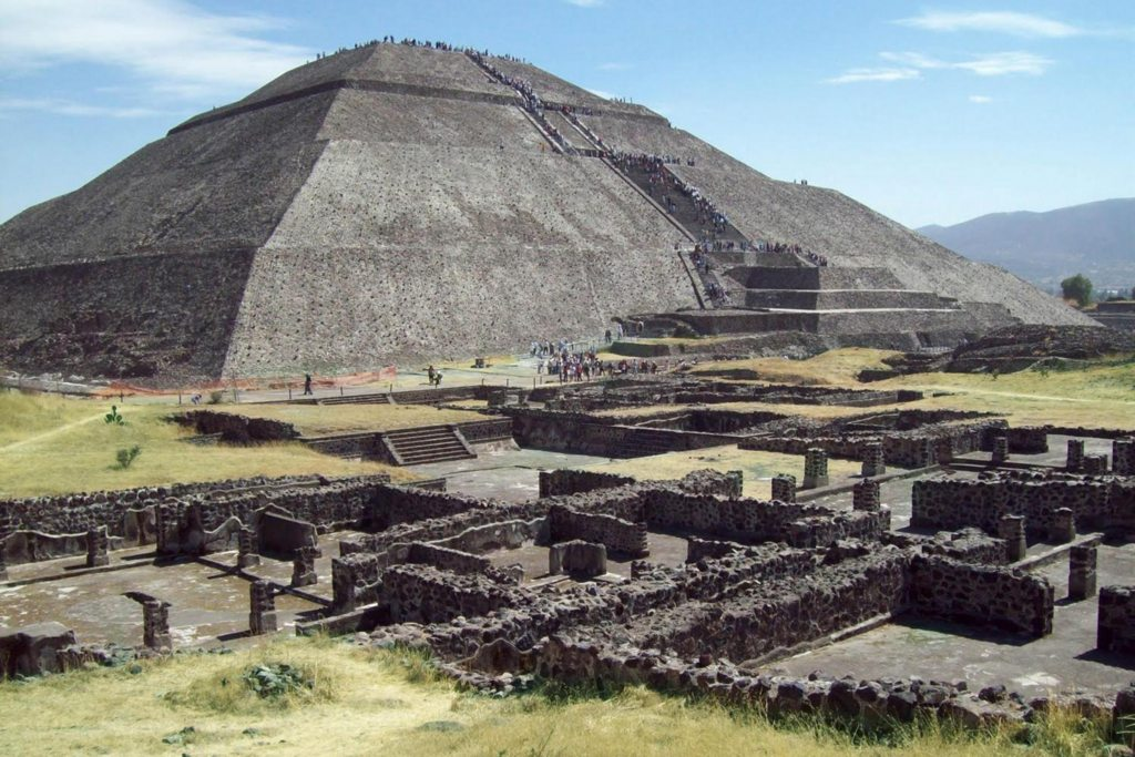 Pyramid of the Sun Mexico.jpg