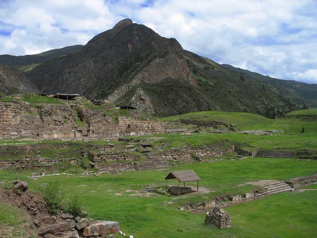 Pyramid Peru Chavín de Huántar Peru.JPG