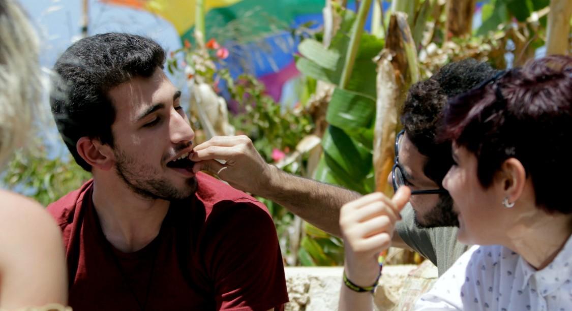 Des participants à la Beirut pride 2017 à Batroun au nord de Beyrouth (©Ibrahim Chalhoub : AFP).jpg