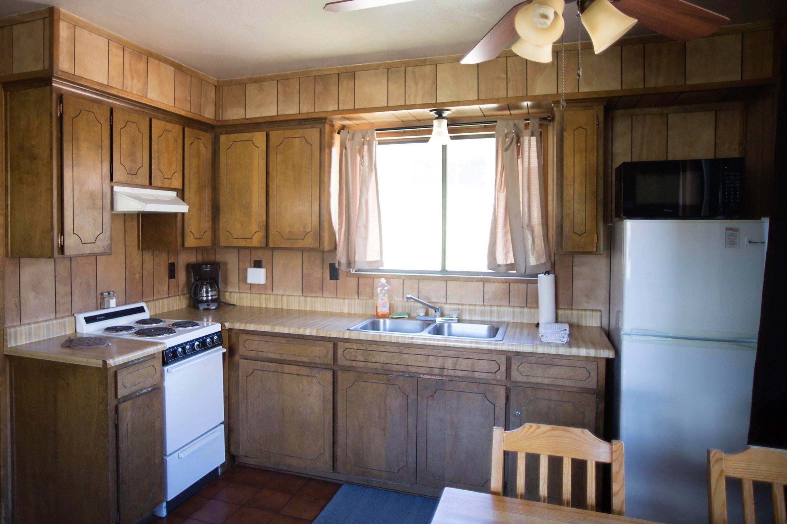 Cabin 3 Kitchen.jpg