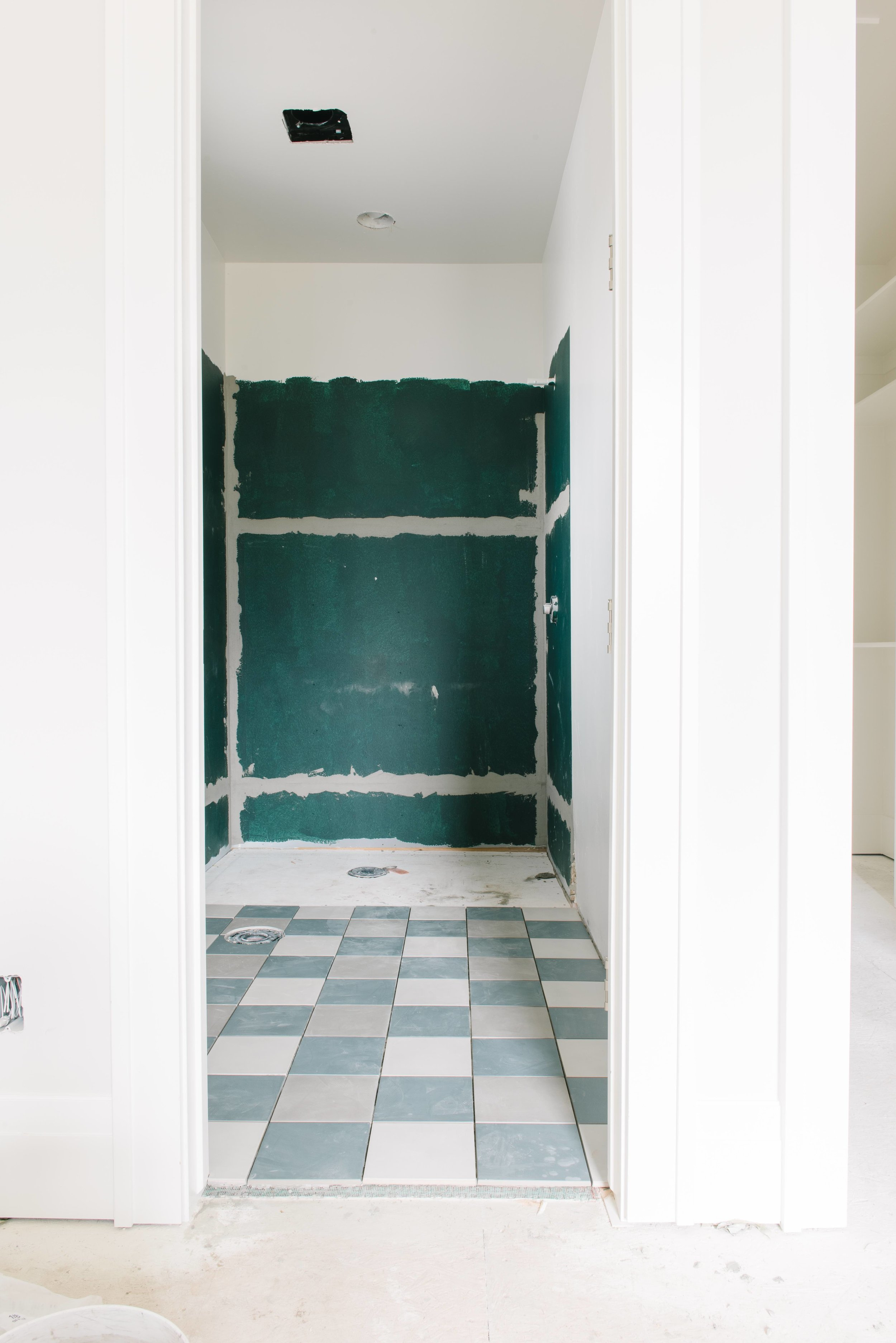 BUFFALO-CHECKED BATHROOM FLOOR