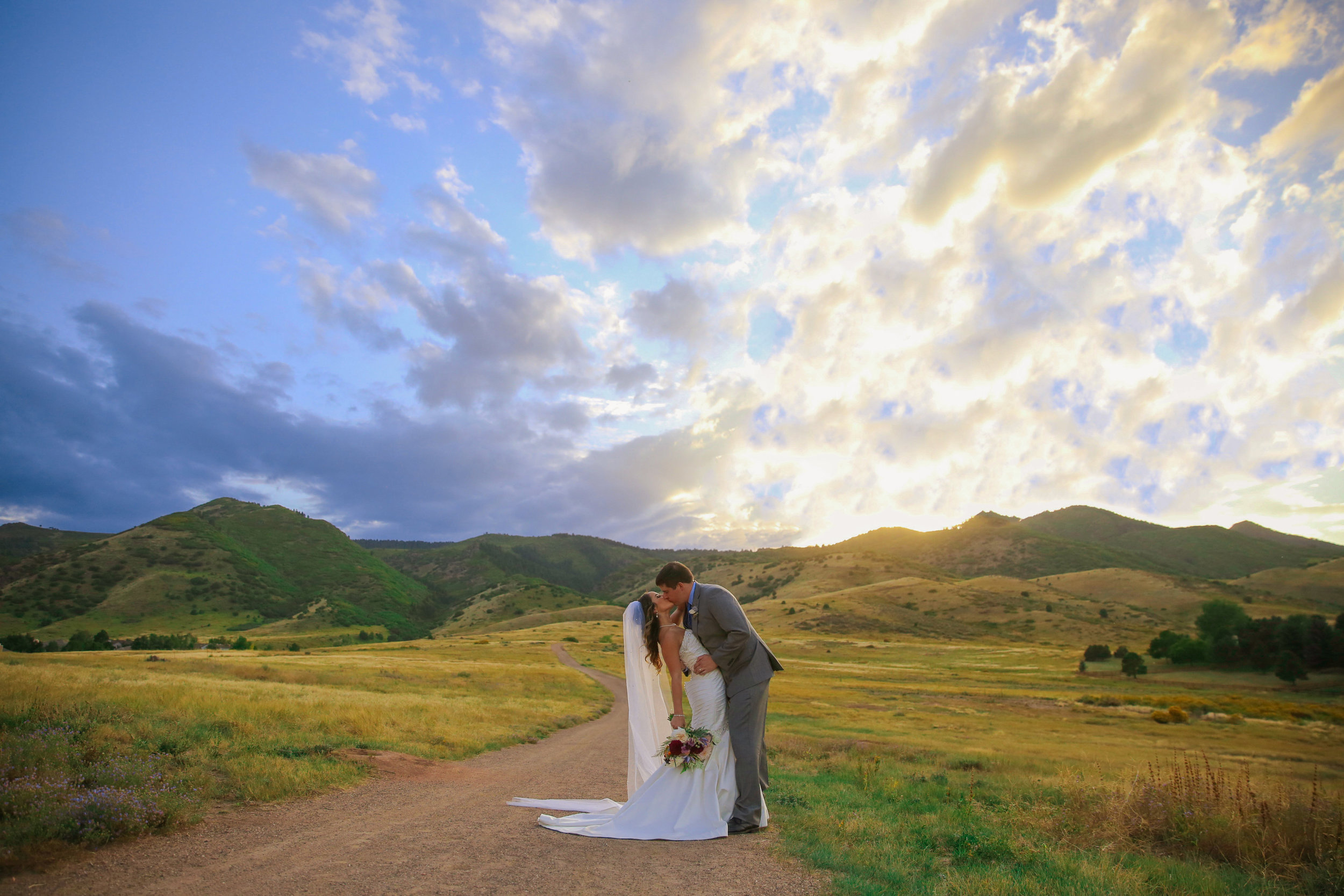 -colorado-wedding-photographer-denver-springs-vail-the-manor-house-