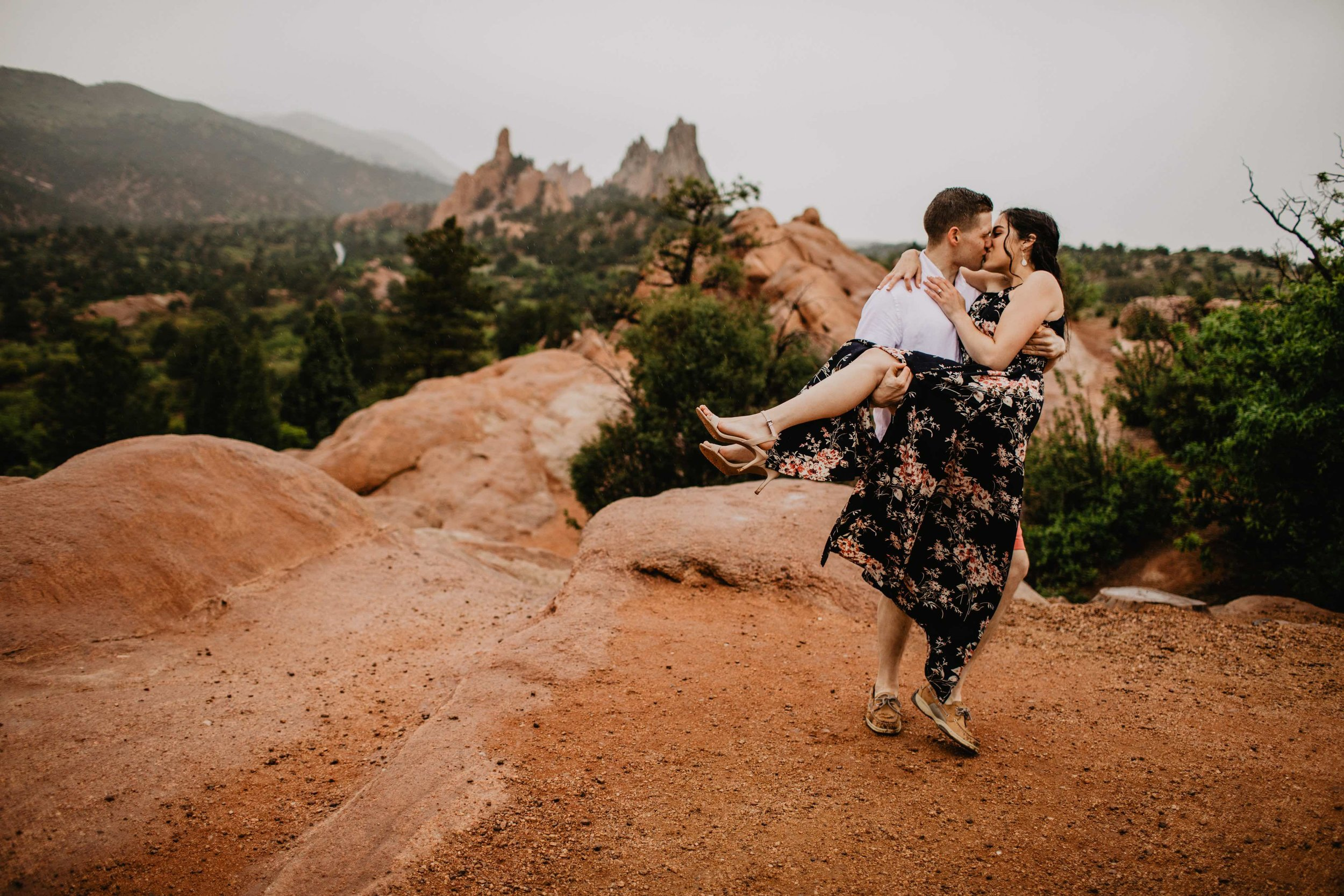 Kisa Conrad Favorites-0020garden-of-the-gods-colorado-springs-photograhy-engagement.jpeg