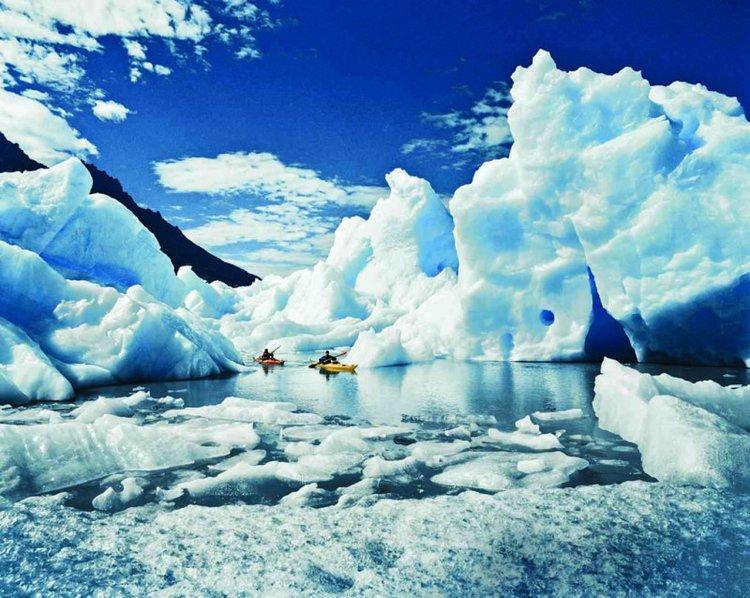 Kayaking Perito Moreno Glacier, Los Glaciares National Park
