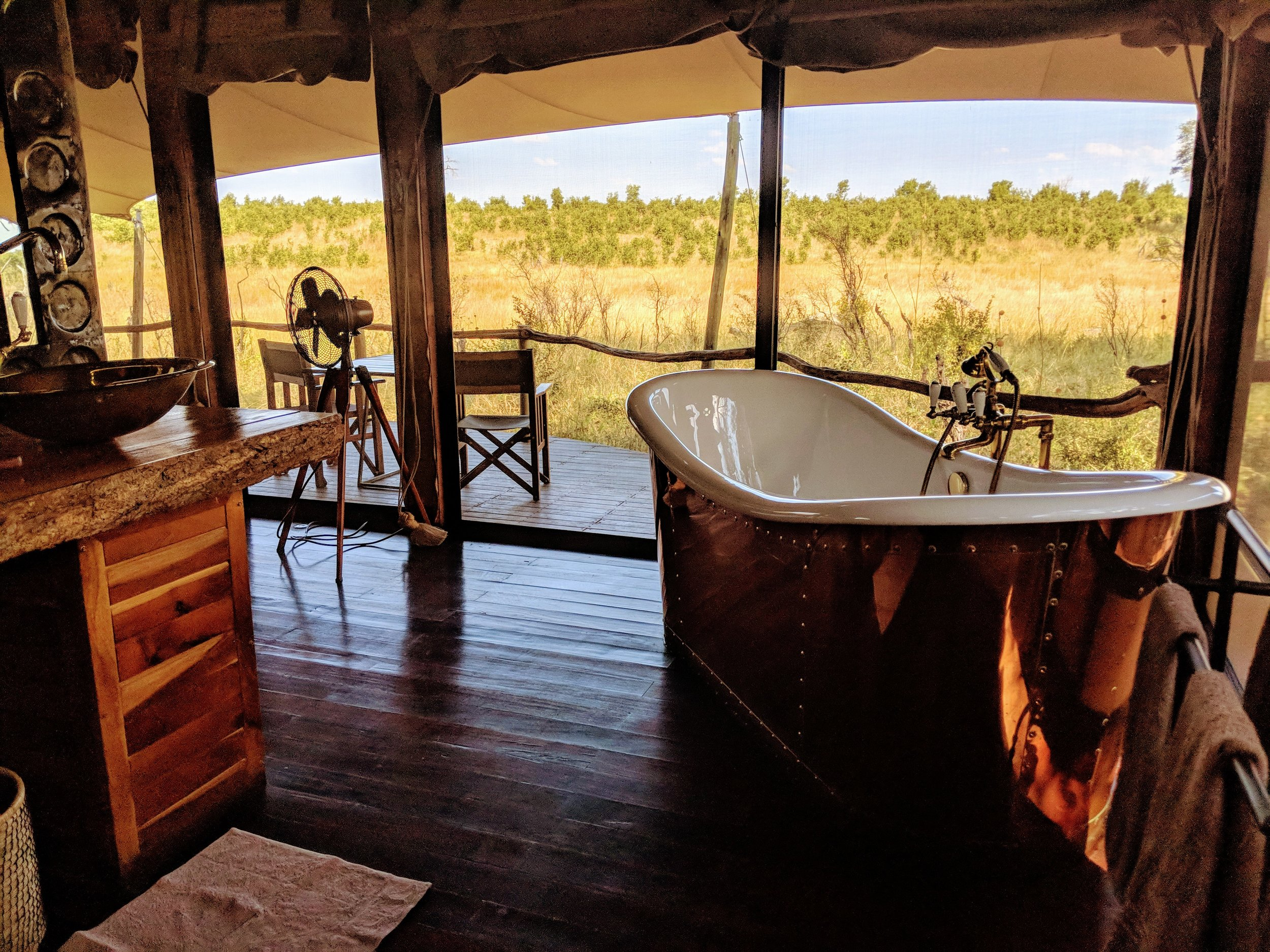Beautiful permanent luxury tents...views of elephants passing by our deck everyday!