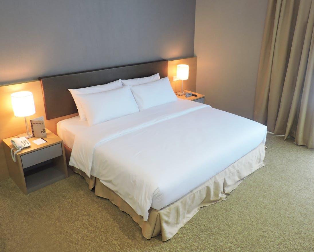 Day 1 - Hotel No. 5,Entebbe, Uganda
