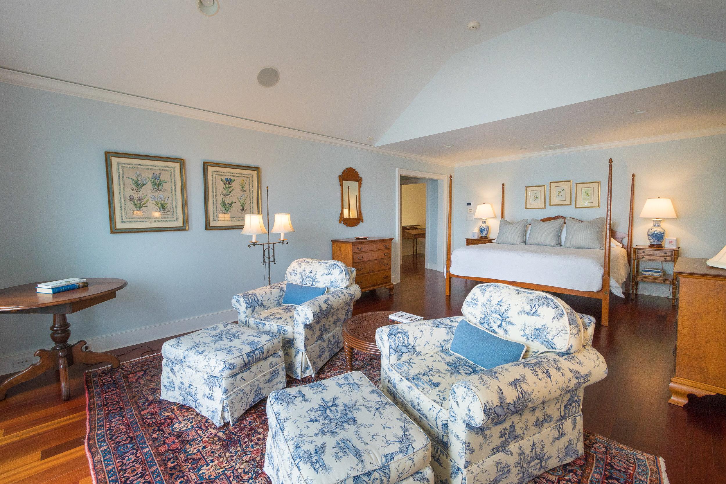 THIRD FLOOR VIP BEDROOM