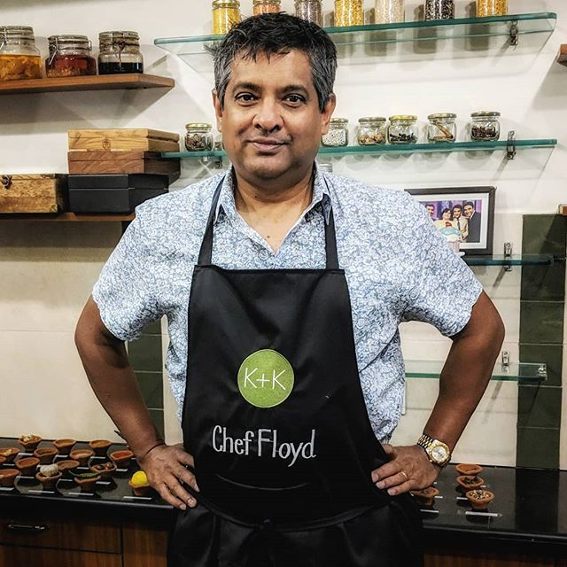 Someone's in the kitchen with Floyd - and that could be YOU!  Come cook, eat and travel to Mumbai and Goa with #FloydCardoz  Link in profile  #KilachandandKarp #culinarytour #wanderlust #Mumbai #Goa #livetoeat #indianfood #FloydsFood