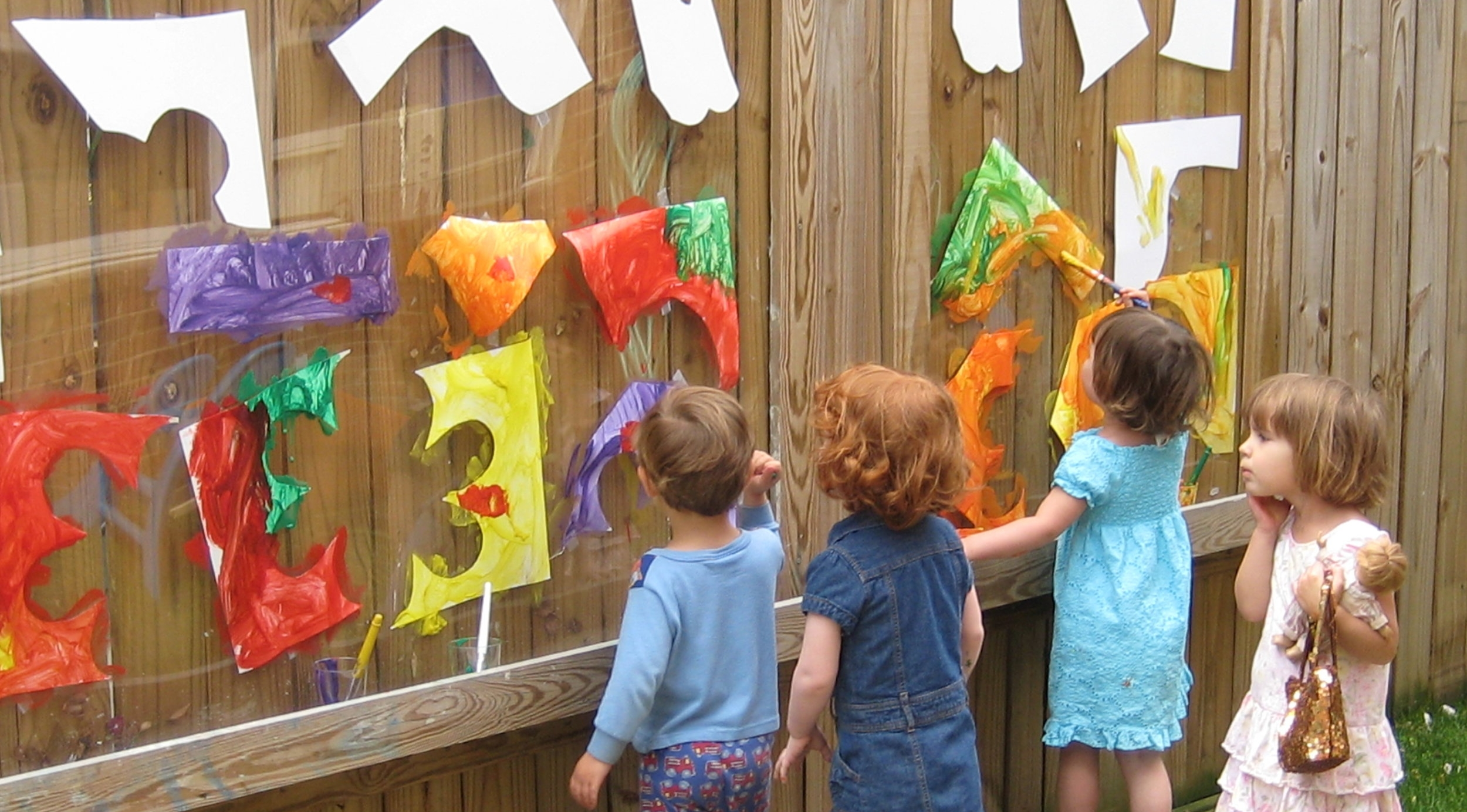 Outdoor collaborative art projects