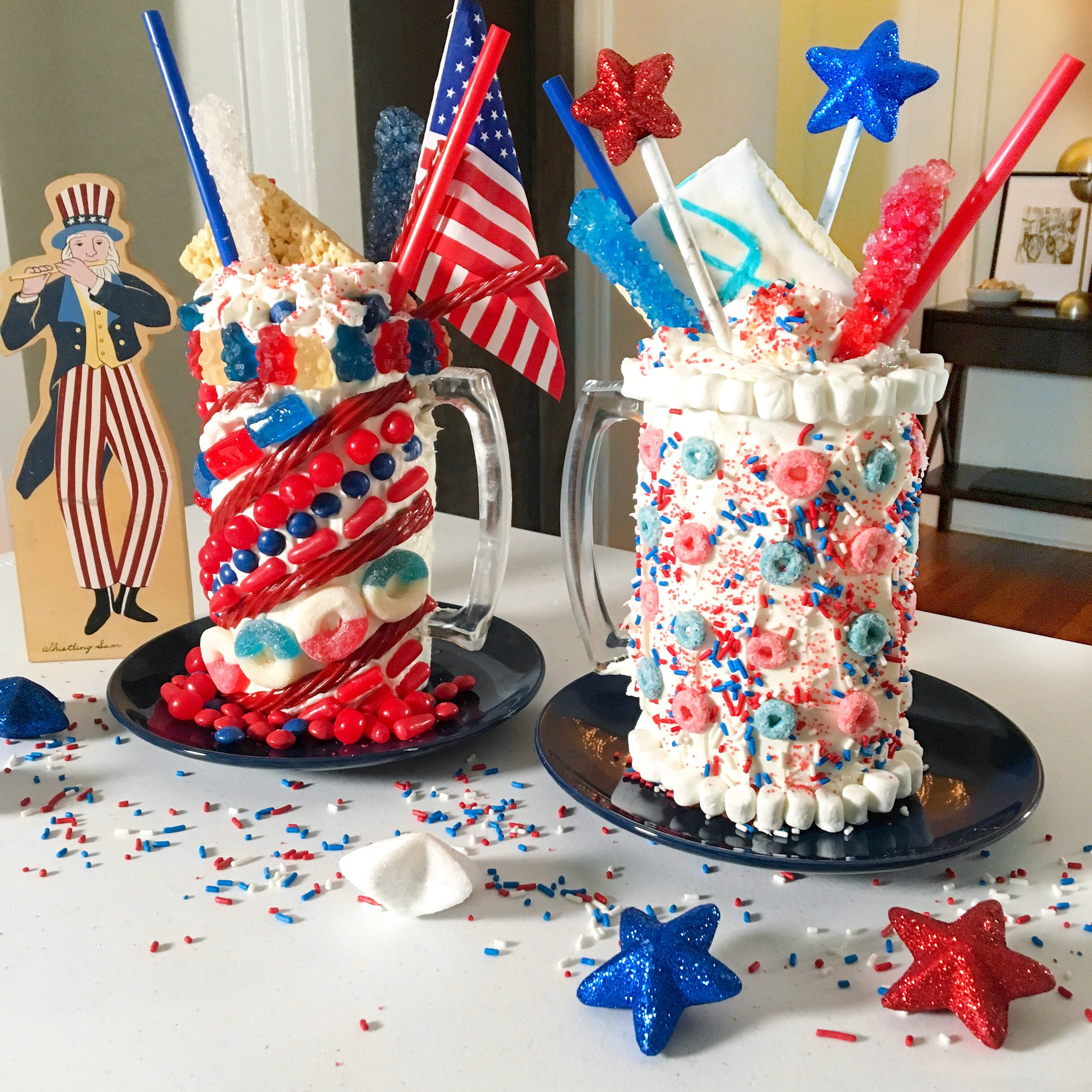 Extreme 4th of July Milkshakes #summer #icecream #milkshakes #frozen #fourthofjuly