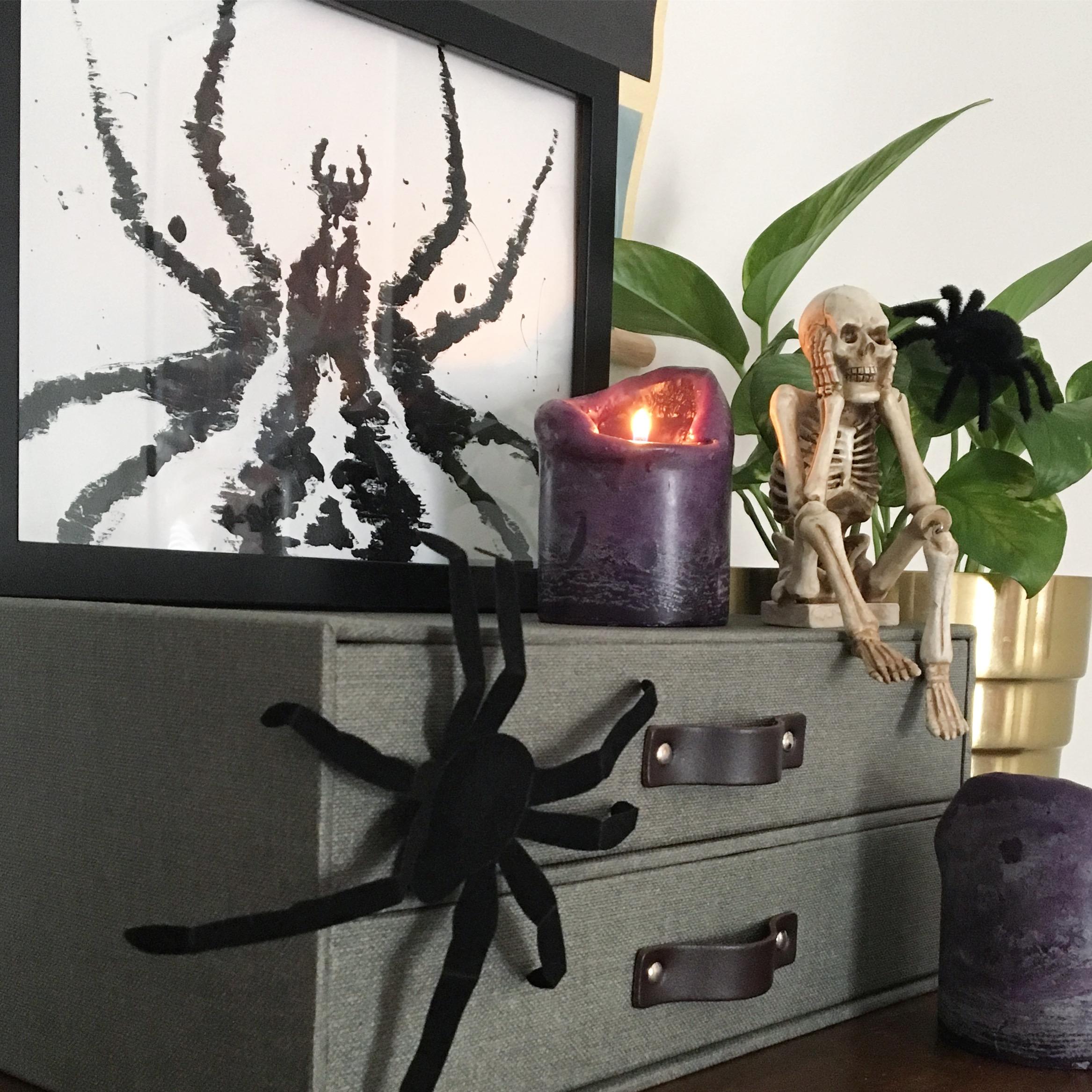 Easy Inkblot Wall Art for Halloween  #easyhalloween #dollarstore #halloween #halloweendiy #halloweendecor #halloweendecorations #wallart #inkblot #hauntedhouse #haunted #spooky #spookyseason #spookydecor #creepy #diyhalloween #diyhalloweendecorations
