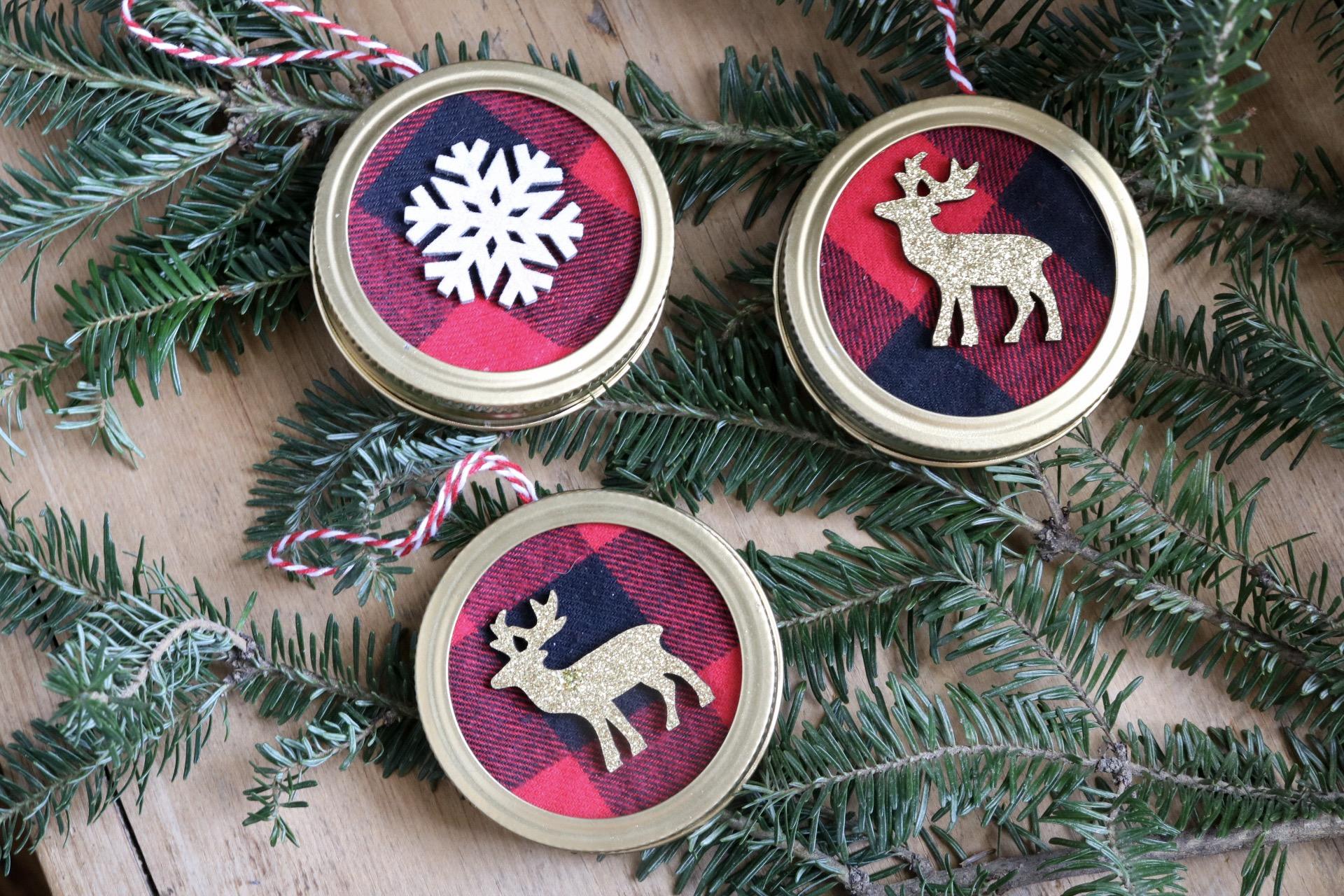 Mason Jar Lid Ornaments.