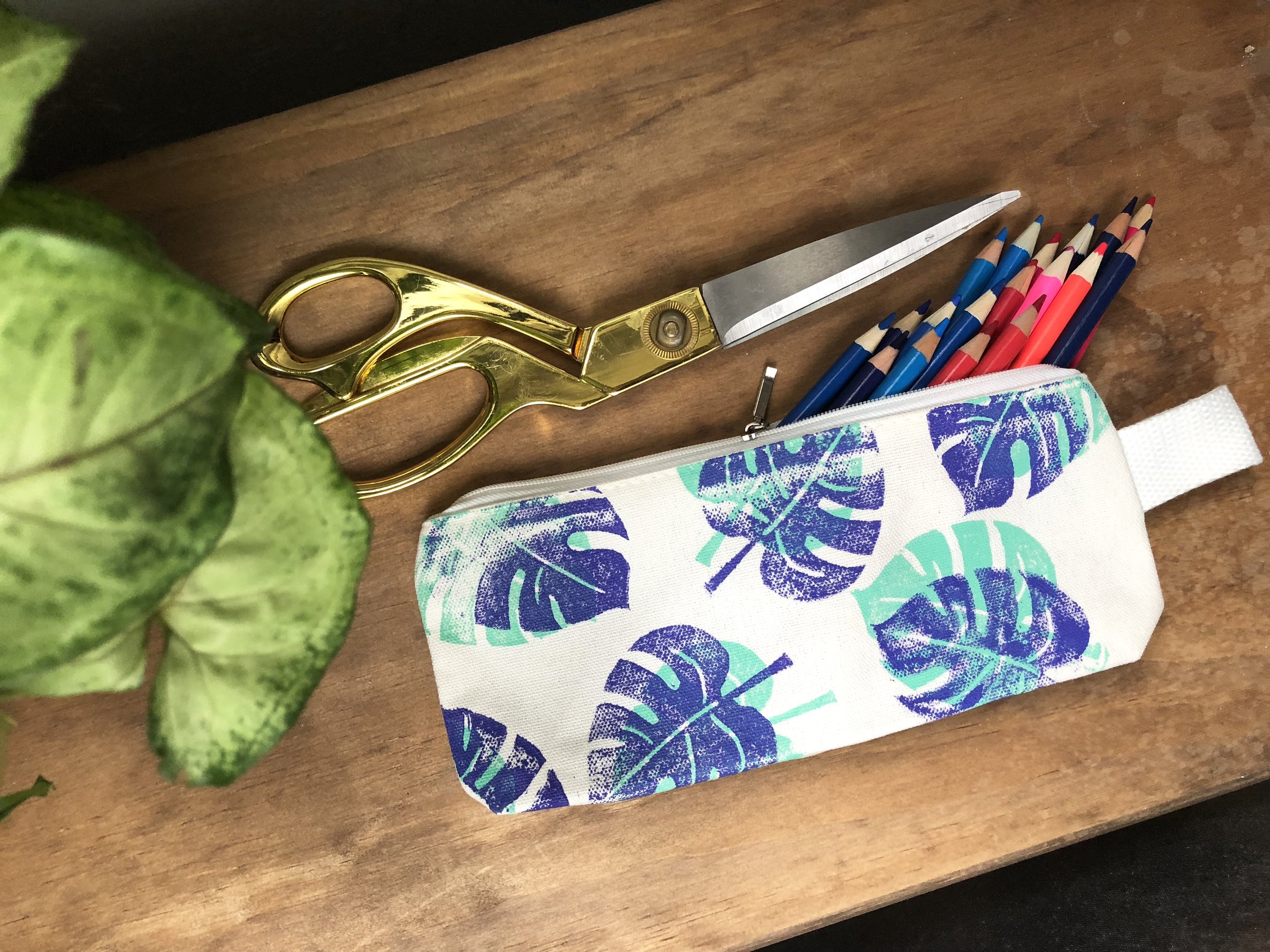 4 Easy Palm Leaf DIY's for the summer!