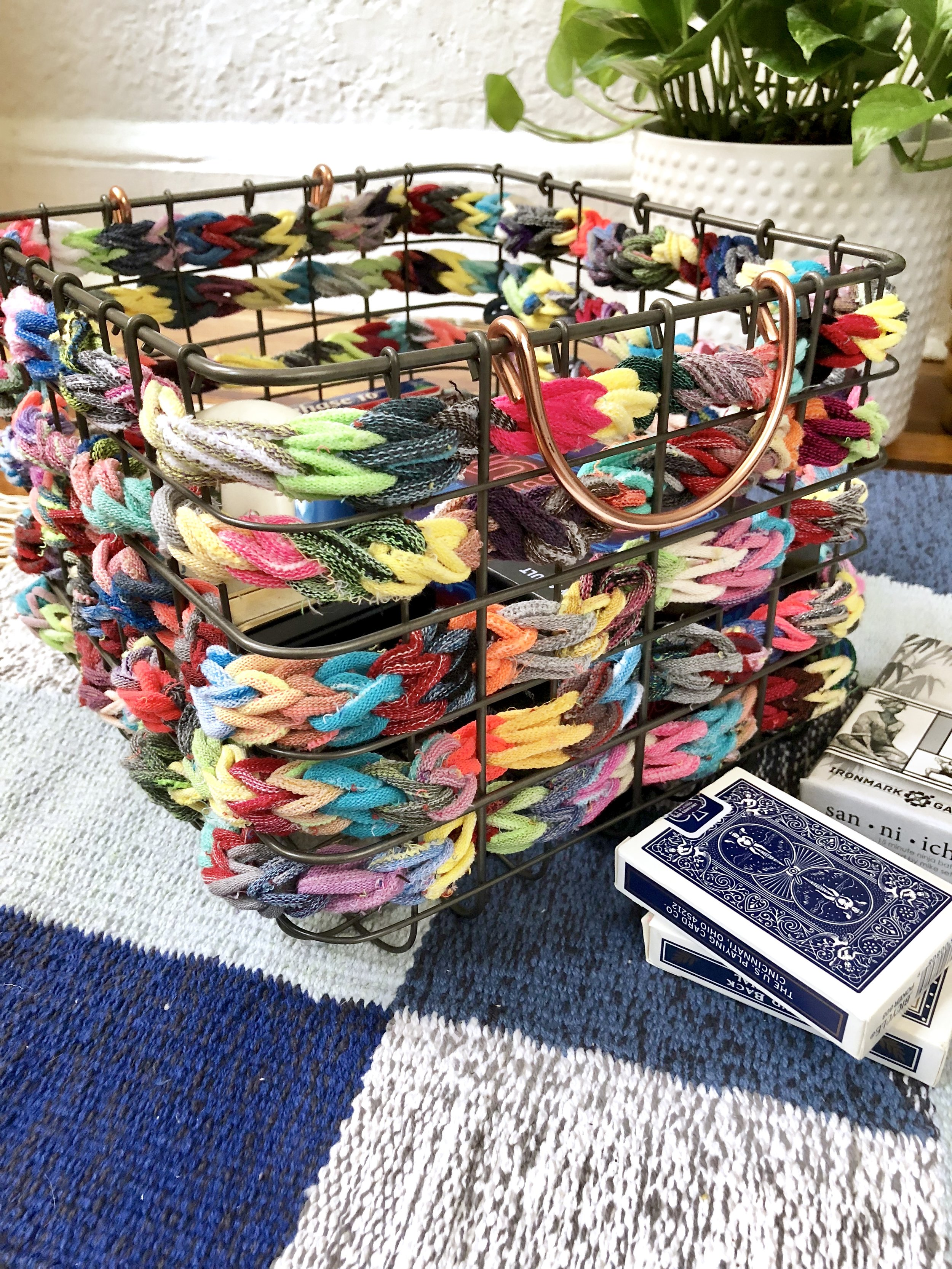 Throwback Summer Camp Crafts for Adults - We were inspired by old camp patches and got crafty with felt, made a larger than life God's eye with chunky yarn and turned a loopers finger weave into a basket up do!