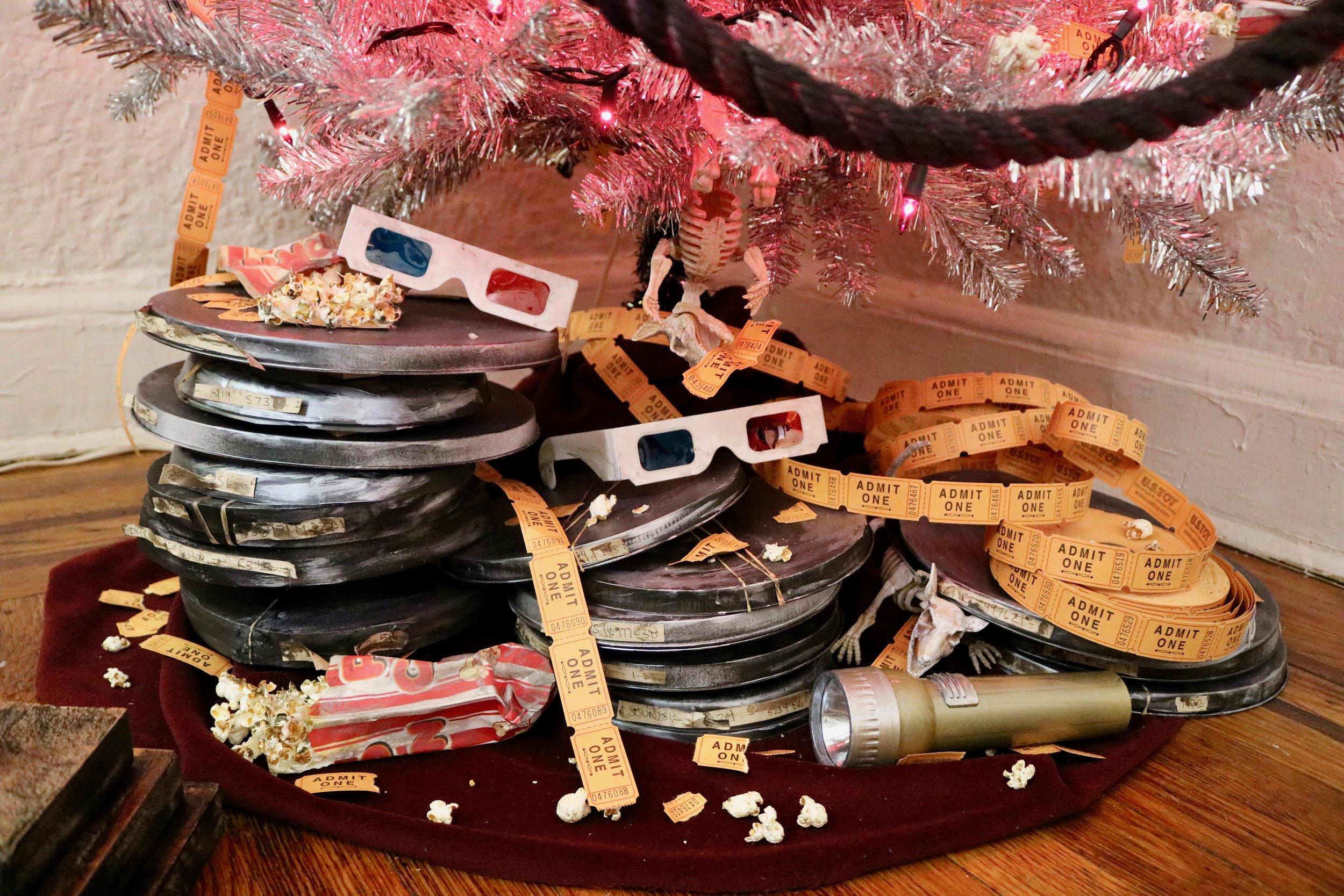 DIY Haunted Movie Theatre Tree! #halloweendiy #treetopia #horrormovie #halloweentree