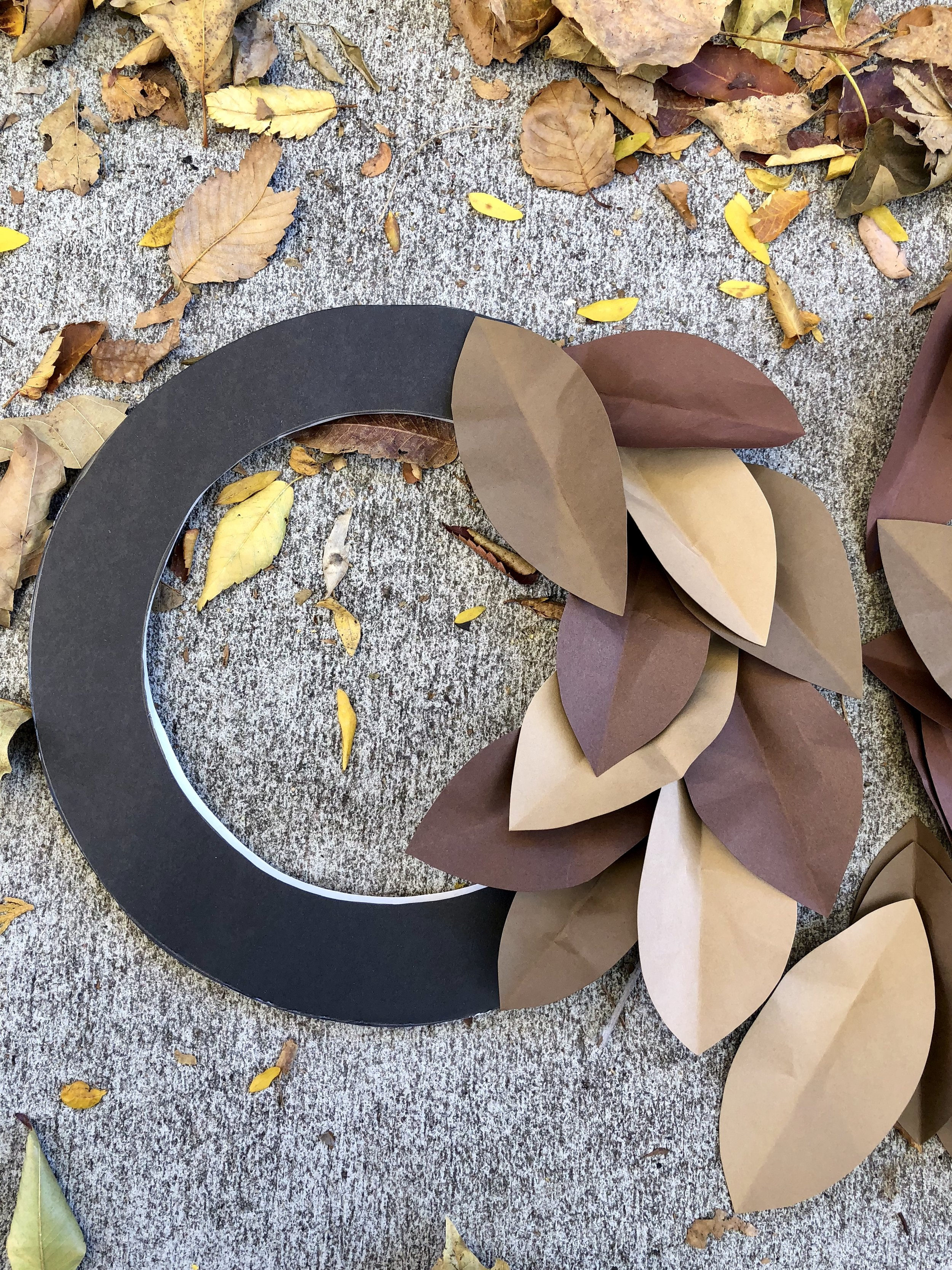 East DIY Paper Magnolia Wreath using cardstock and foam board  #paper #papercrafts #papercraftdiys #rachaelray #fallwreath #fall #falldiy #autumn #autumndiy #magnoliawreath #paperwreath #falldecor #falldecorations #leaves #diyleaves #paperleaves #wreathring #wreath #autumnwreath #dollarstore #dollarstorecrafts #easycrafts