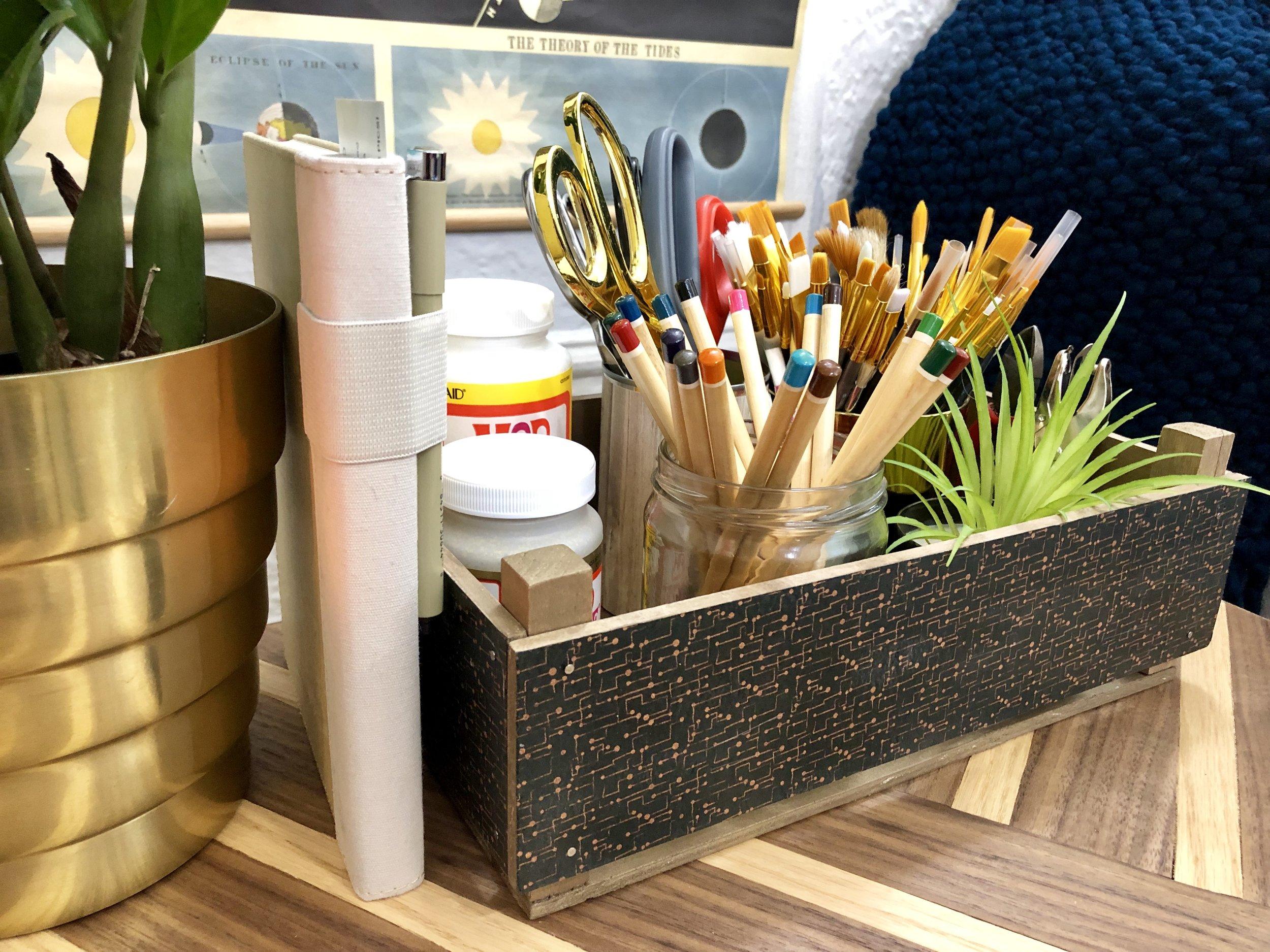 DIY Clementines Inspired Wooden Craft Box DIY using balsa wood  #storageorganization #apartmentideas #diyhomedecor #diycrafts #diywoodprojects #plaidcrafts #craftsupplies