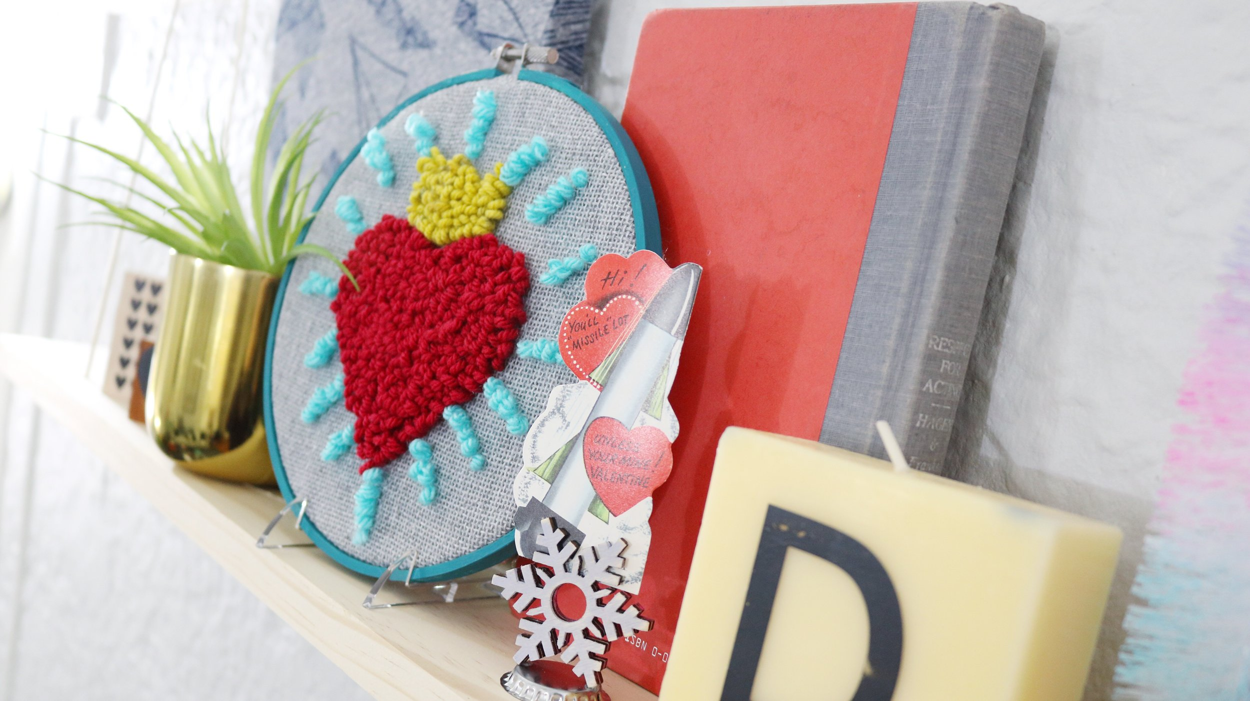 Quick Valentine's Day Punch Needle Art! Easy DIY Valentine's Day Decor!  #punchneedle #hottopunchneedle #yarn #yarnprojects #homedecor #valentinesdaydecorations