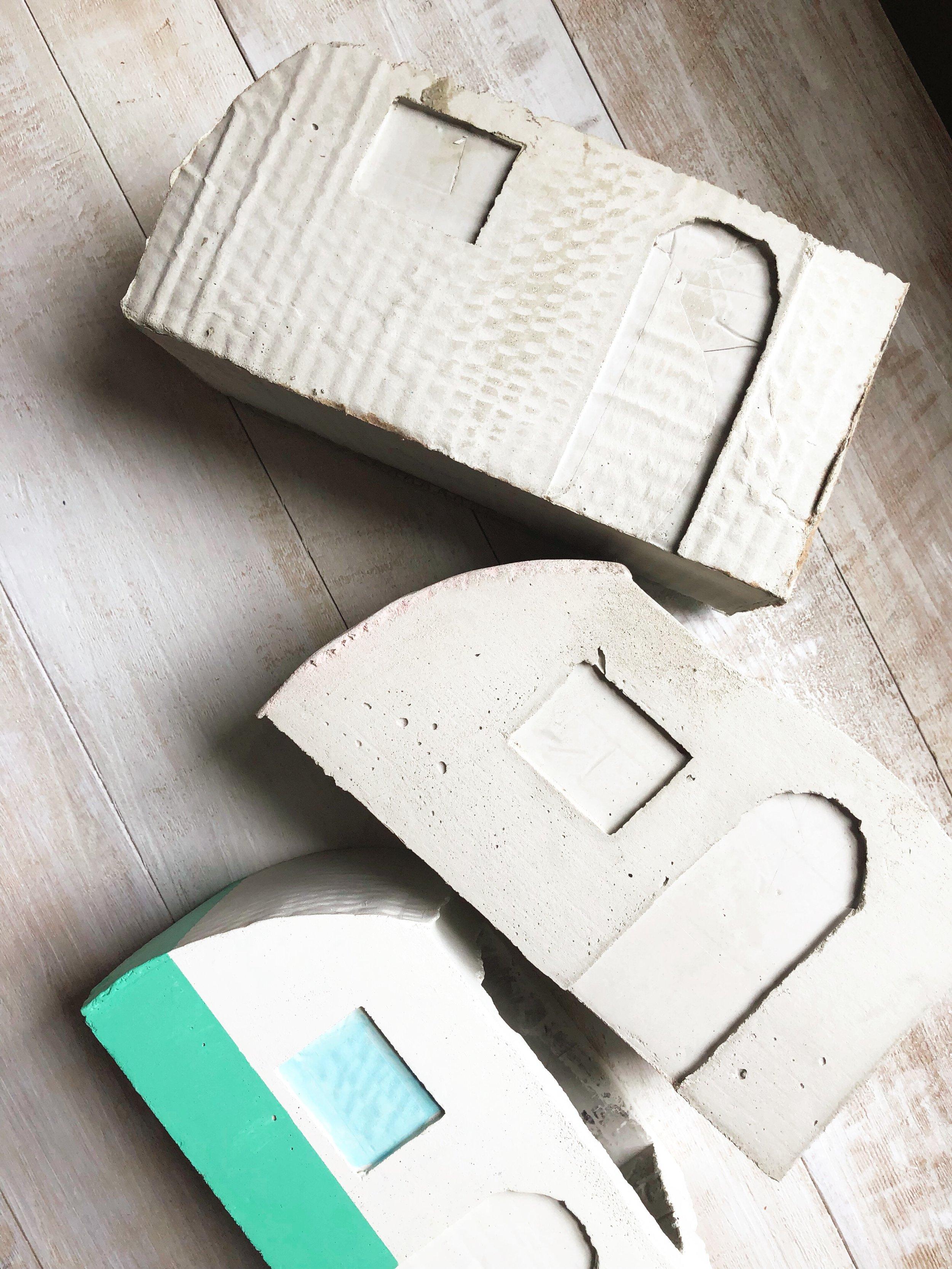 DIY Vintage Concrete Camper Planter. Create a vintage inspired concrete planter, perfect for those summer vibes!  #hgtv #hgtvhandmade #concrete #planter #rv #roadtrip #camper #summercraft #summerDIY #concretecraft #cementcraft #concretemold #succulents #cactus #flamingo