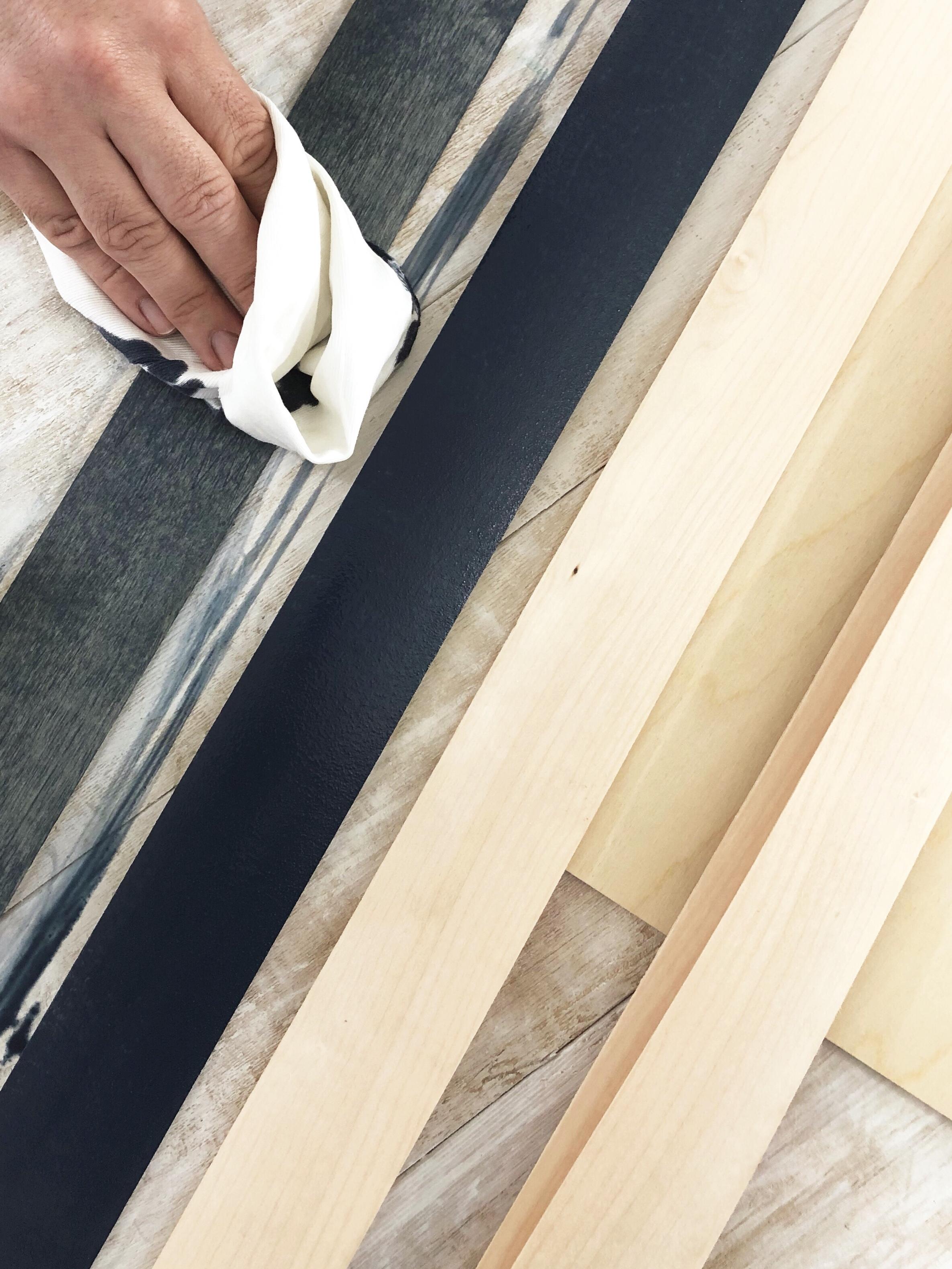 DIY Wood Veneer Art Project! Create your own wood veneer wall art using adhesive wood veneer strips! #woodveneer #homedecor #wallart #wood #woodveneer #woodstain #varathane #smallspaceliving #apartmentsolutions #woodstaining #gotwood #officedecor #deskdecor #deskupdo #easywallart #irononwoodveneers #diywallart