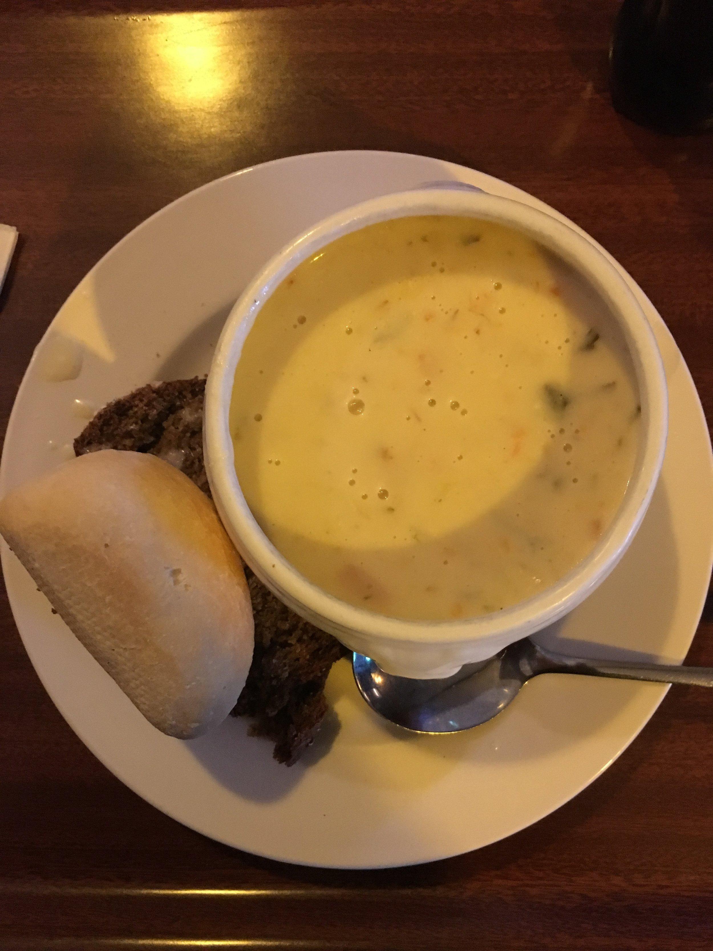 doolin; fitzpatrick's pub; ireland; seafood chowder