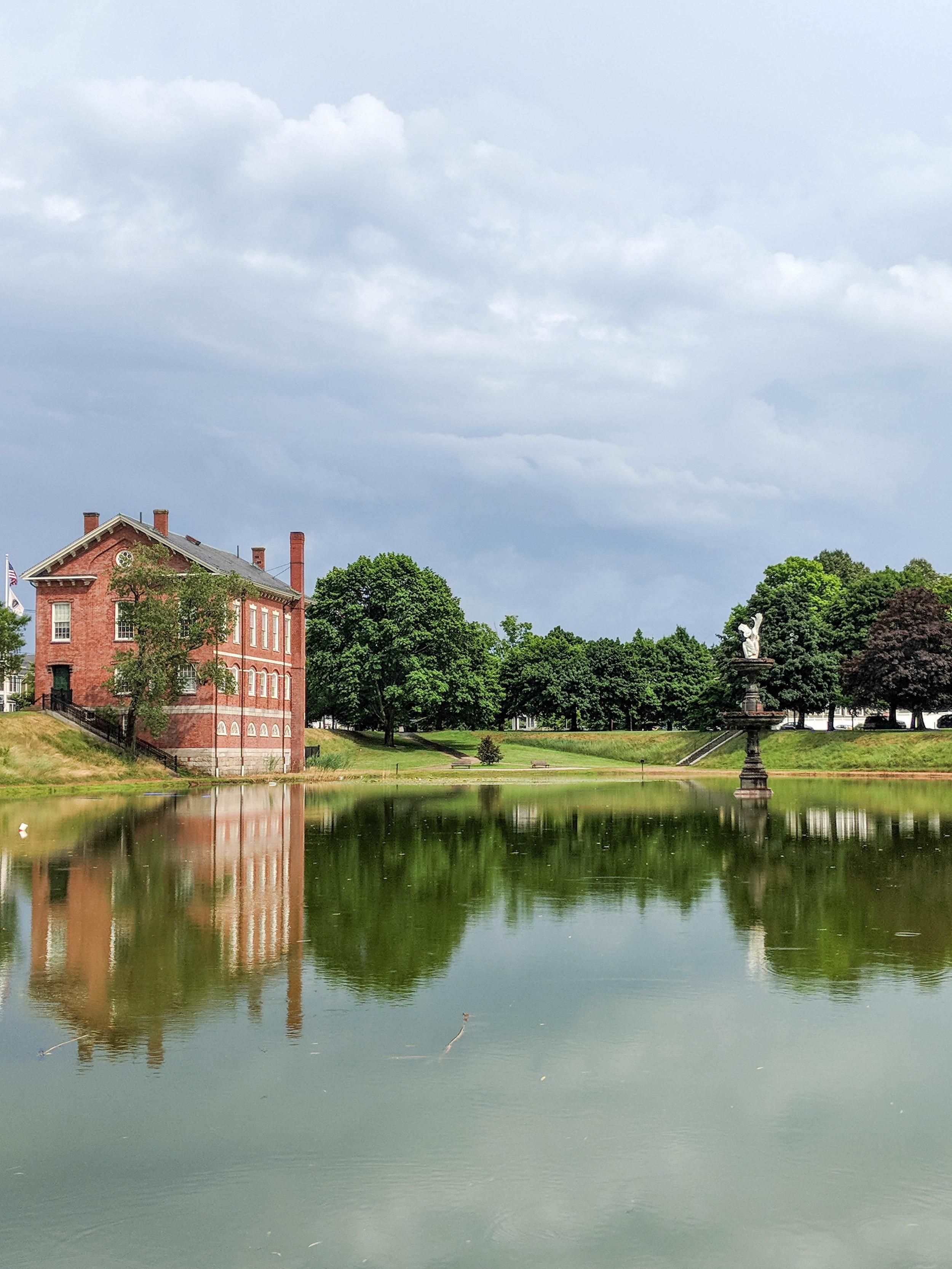 bri rinehart; newburyport; frog pond; photography