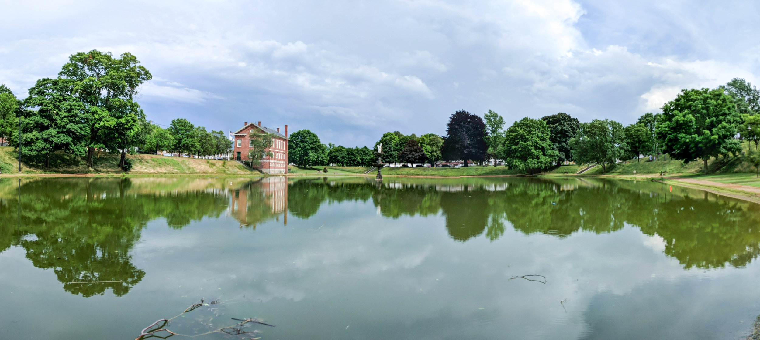 bri rinehart; photography; newburyport; frog pond