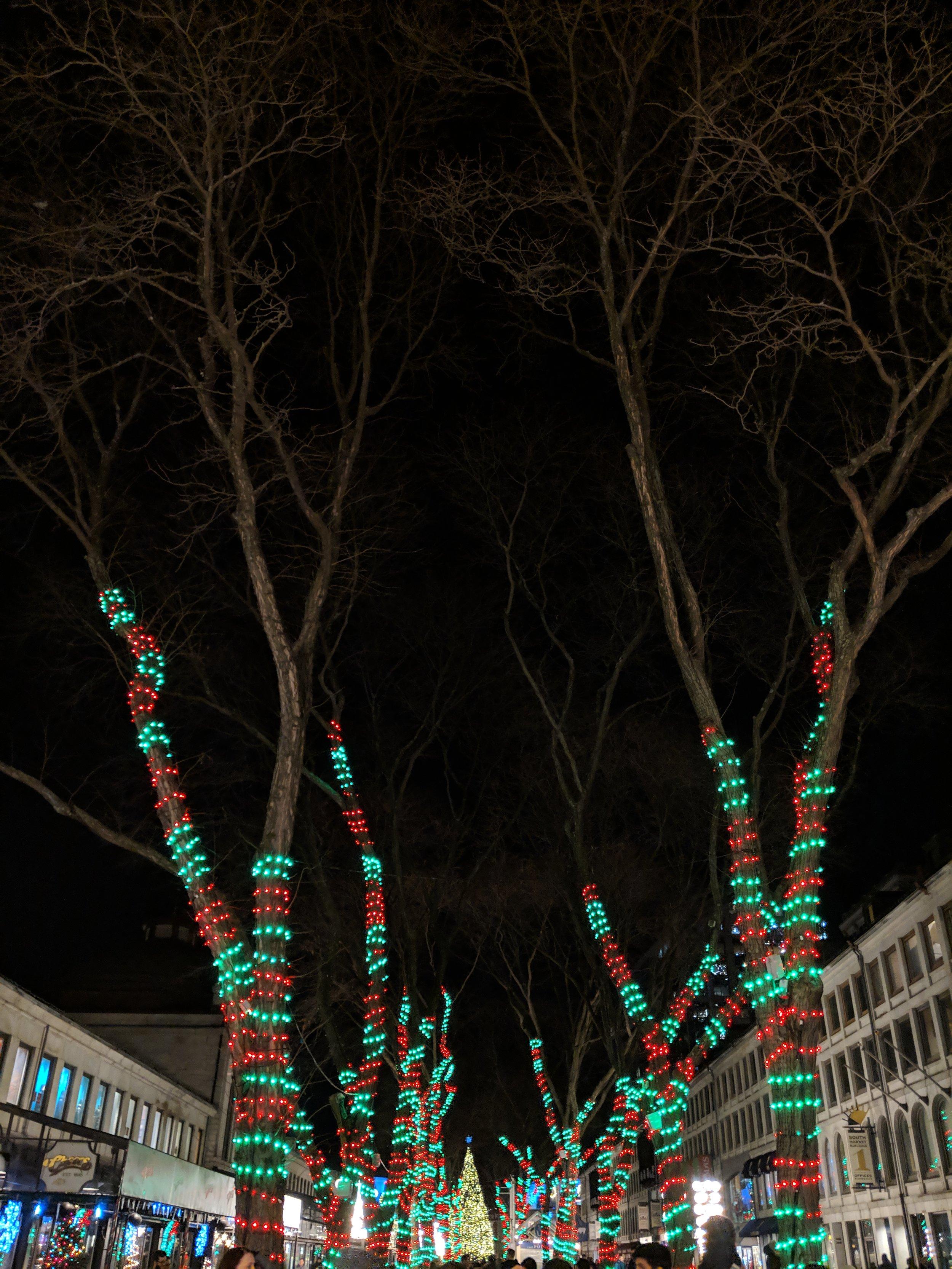 bri rinehart; boston; photography; Christmas; lights; faneuil hall
