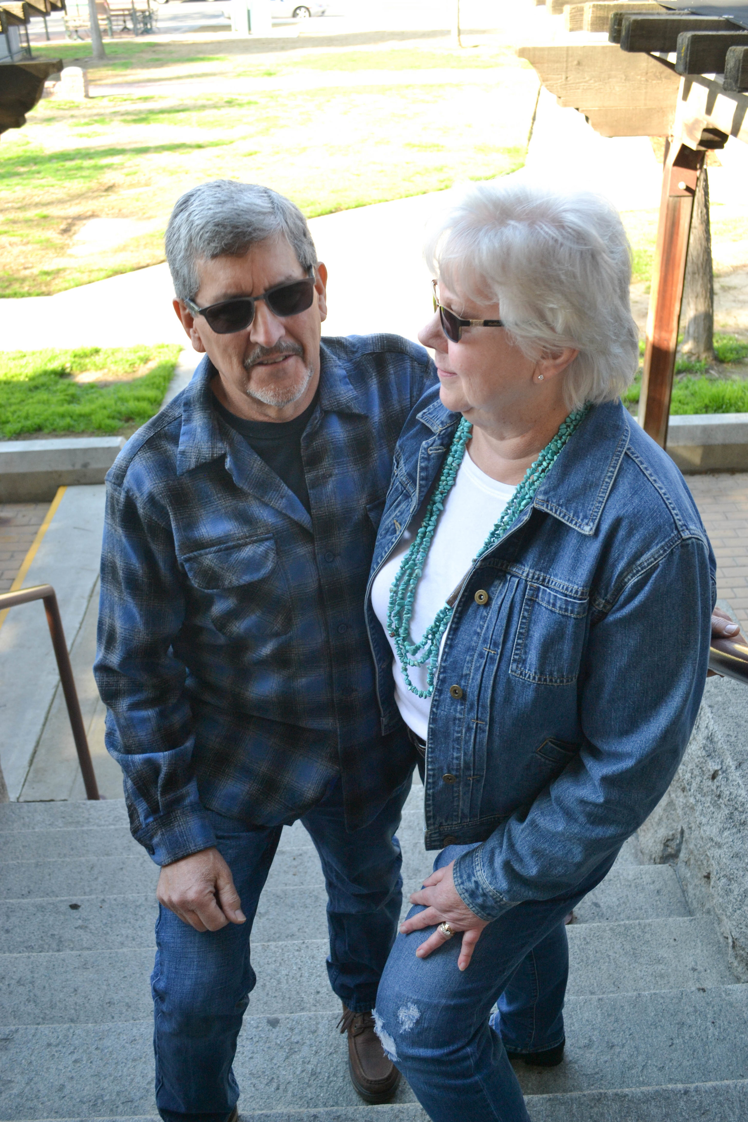 bri rinehart; photographer; hanford; couple