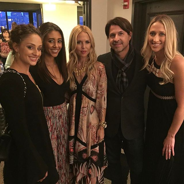 Incredible night with @rachelzoe and @shopmaxandriley raising money for MGH's research for neurofibromatosis. Thanks for having us!💛🌻🥂