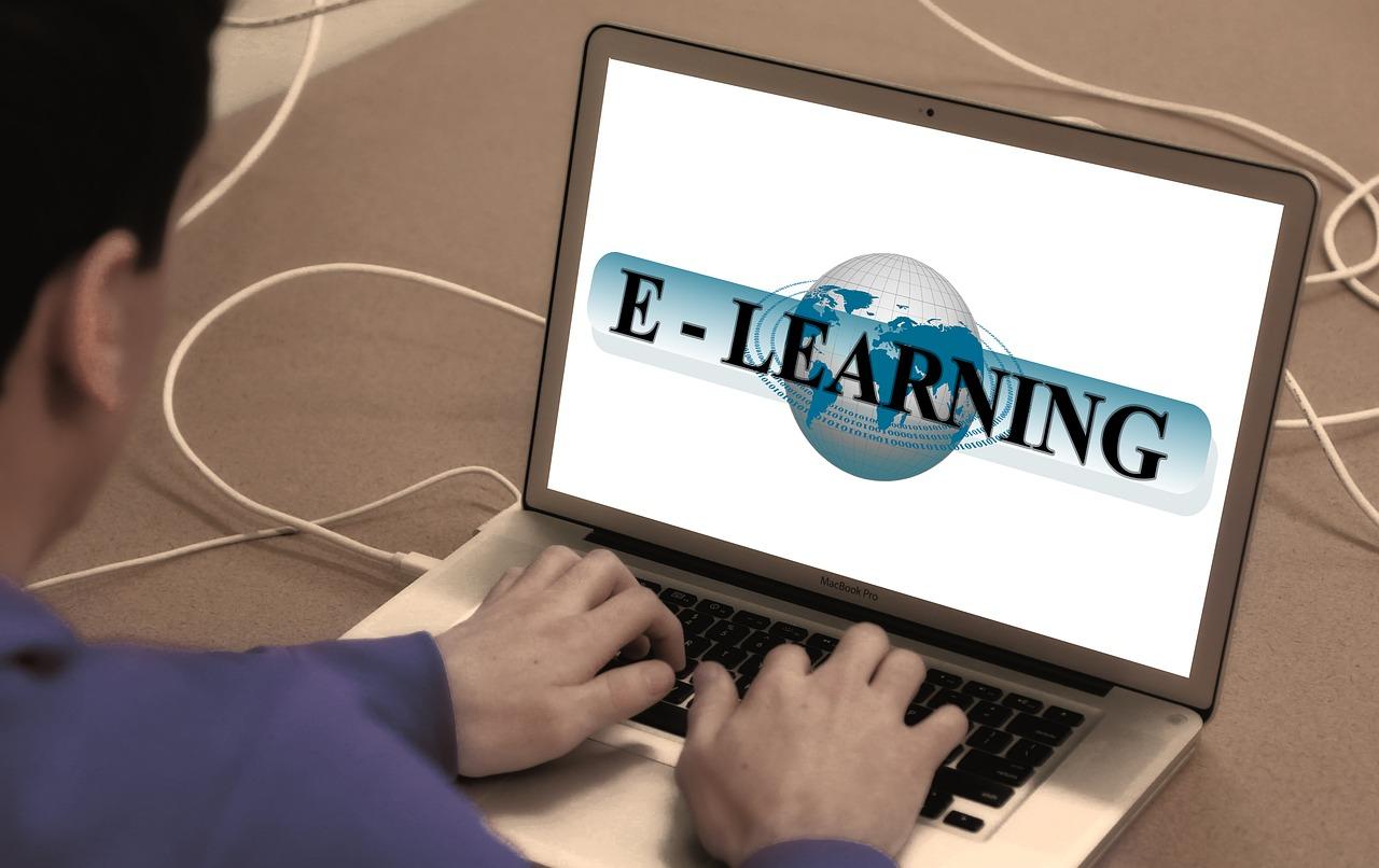 learn-868815_1280.jpg