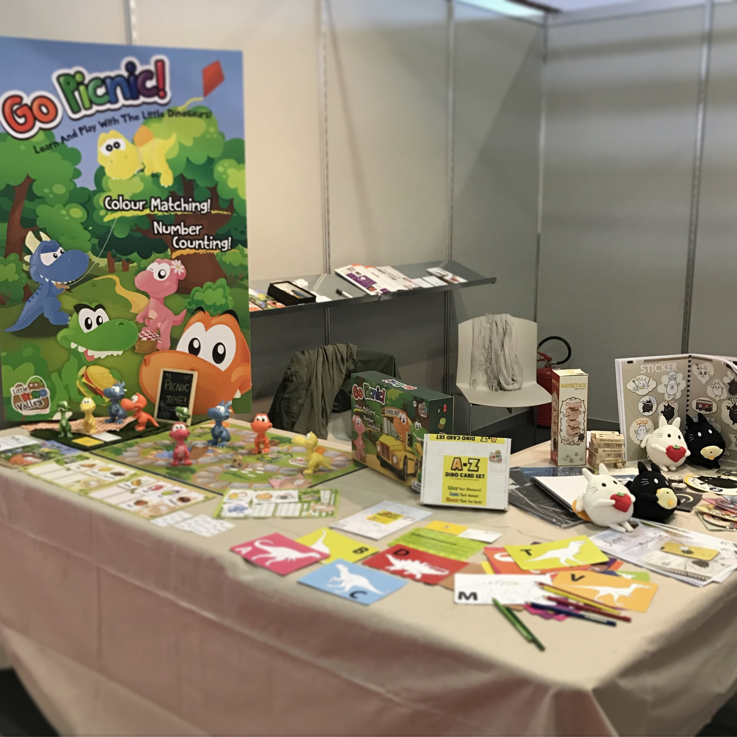 Here we are at the book fair. Come and support us at Hall 29, Stand B16!!