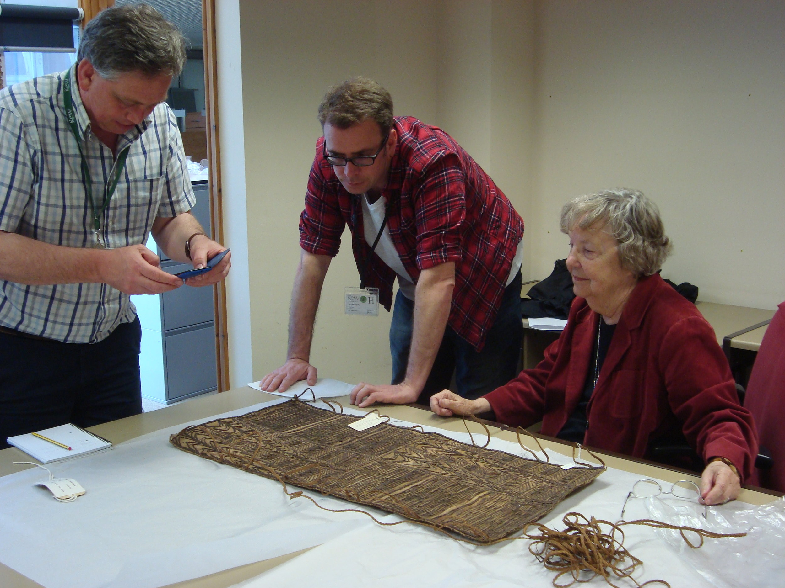 Situating Pacific Barkcloth in Time and Place - This 3-year research project, led by Professor Frances Lennard and funded by the AHRC, aims to transform our understanding of Pacific barkcloth manufacture using a multidisciplinary approach.  Project partners include: Kew Economic Botany Collection, Hunterian Museum and the Smithsonian Institution.