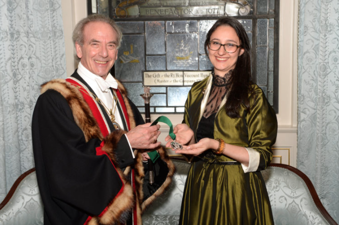 Christopher Thierry Master Woolman presenting Keira Miller with her award at The Worshipful Company of Woolmen's Civic Dinner 2017. © The Worshipful Company of Woolmen.