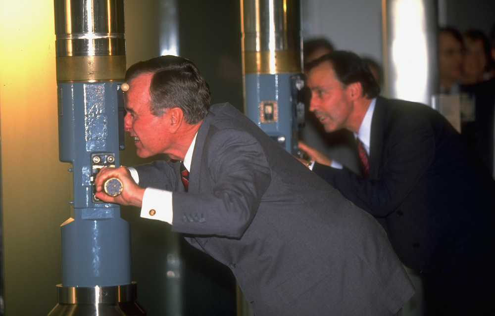 Bush, with then Australian prime minister Paul Keating opening a naval museum in 1991 (Photo: Dirck Halstead via Getty)