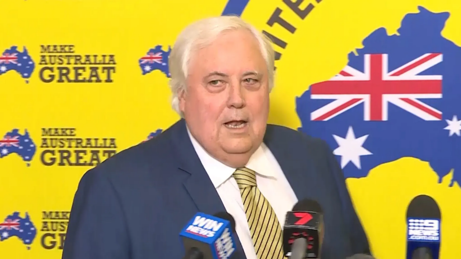 Clive Palmer campaigns for the United Australia Party. Credit: ninevms