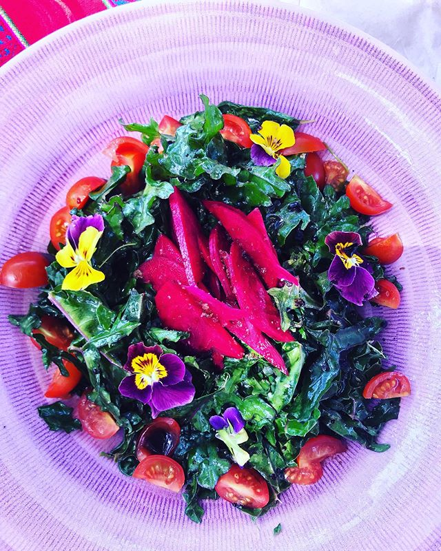Garden fresh kale & beetroot salad! 💚
