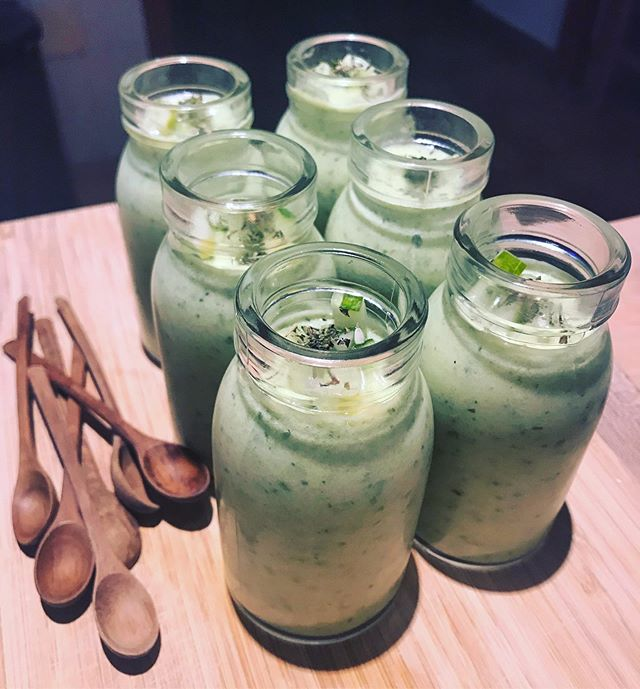 Keeping it cool with cucumber and coco yoghurt gazpacho 😎🥒 . . . #coolasacucumber #cucumberseason #mallorca #retreat #treehousekitchenibiza #wholisticchef #seasonalfood #plantbased #gazpacho