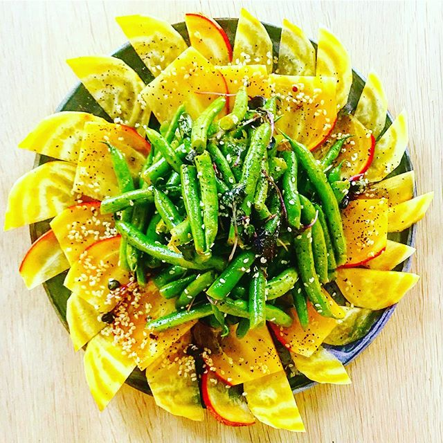 "Golden beetroot • Green beans • Micro radish • Sesame seeds •  Reminds me of... ""California sunrise Take the sleep from under our california eyes Sitting by the oceanside Waiting for the tide to take us home"" from the song California Sunrise by Dirty Gold 🌞 . . . #treehousekitchen #california #goldenstate #goldenbeets #locallysourced #plantbased #sanfrancisco #supportyourlocalfarmer #dirtygold #sunshine #light #love"