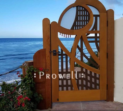 Episode #55 The Gate Keeper Ben Prowell: we talk to Ben about the amazing work that he and his father do for a living, they work they do and journey in woodworking. It's a good one guys and make sure you give Ben a fellow @prowell_ben and definitely go to their website Prowellwoodworks.com to see their amazing work