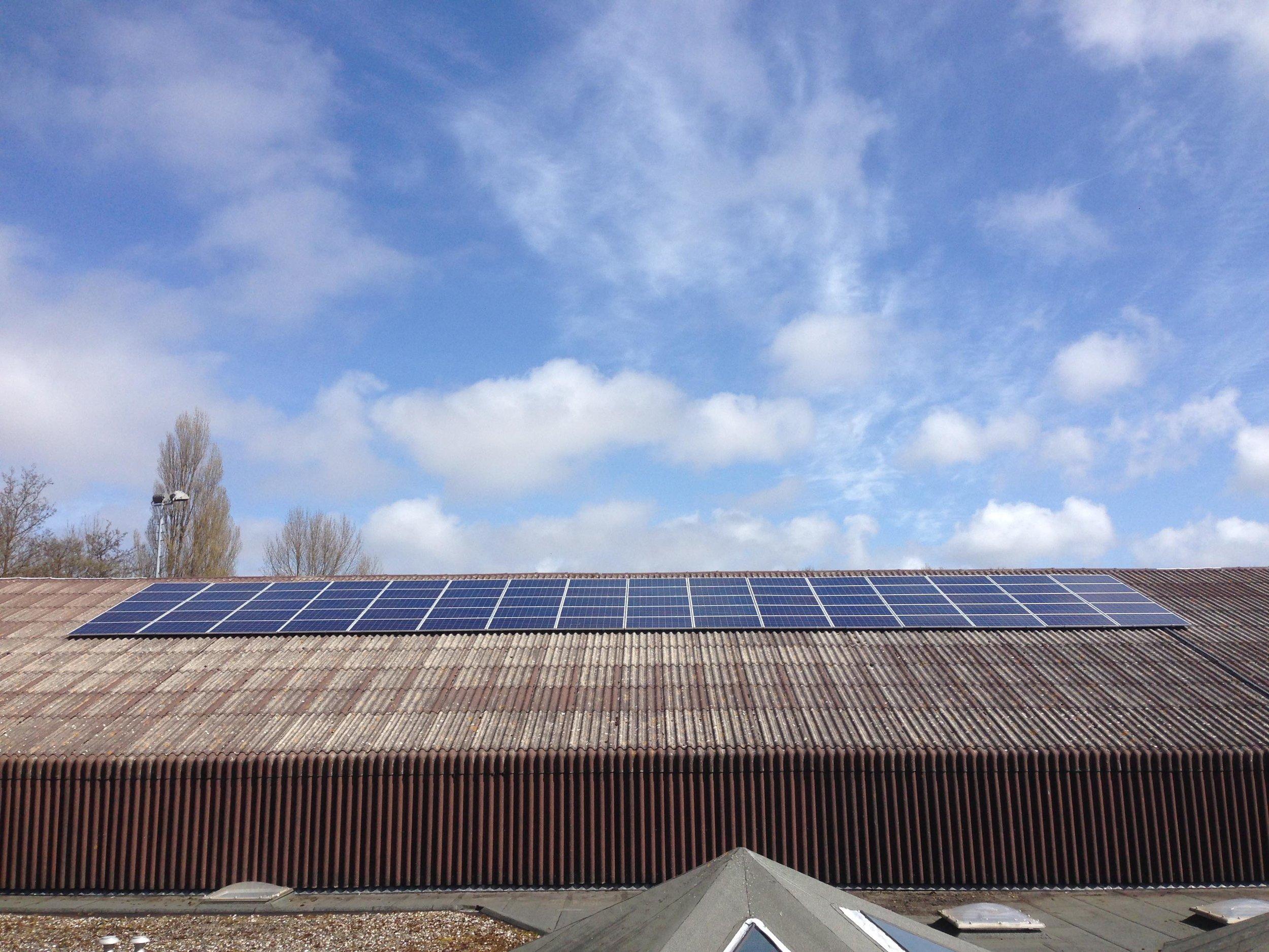 GDA plaatst 80 zonnepanelen -