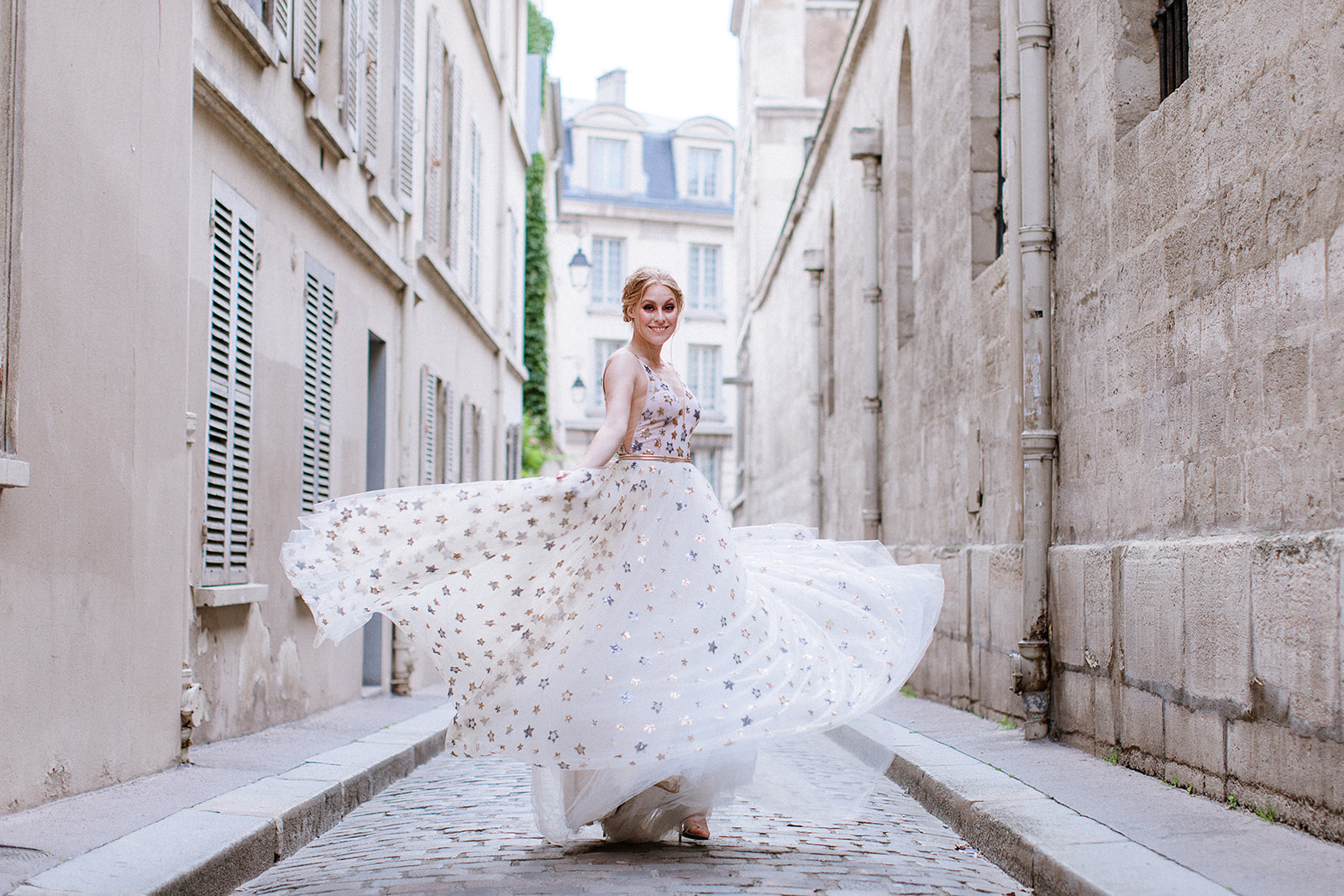 IAN HOLMES PHOTOGRAPHY - Dresses TARA - starry sequined dress - Janita Toerien / White lace and chiffon Dress - Anna GeorginaModel - Rene RoozendaalLocations - Pantheon and Plaza Anthenee HotelJewellery - Marion Rehwinkel