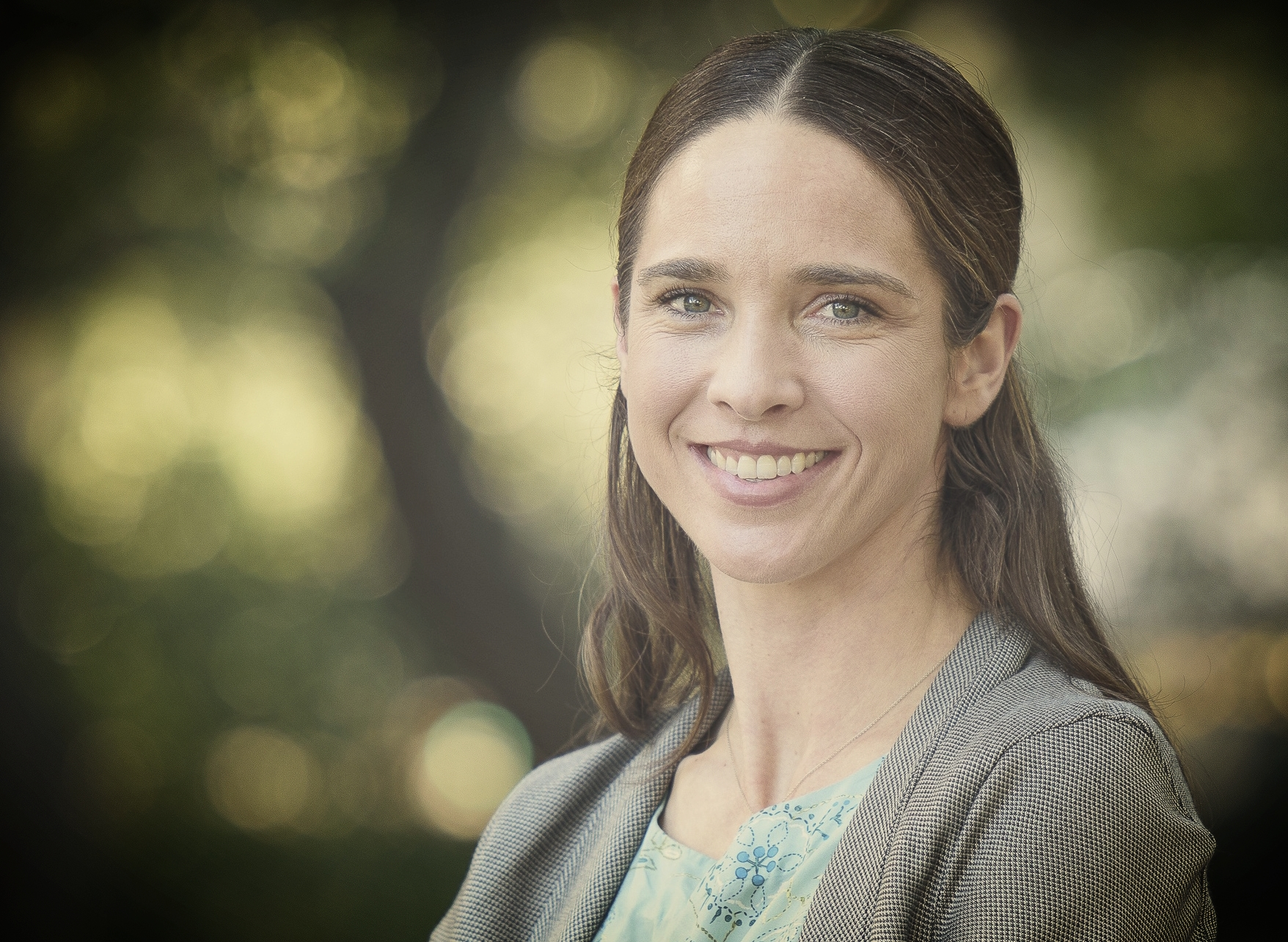 Katharine Mach is a Senior Research Scientist at Stanford University, where she leads the Stanford Environment Assessment Facility. Advancing foundations for action, her research is focused on integrative assessment of climate change risks and response options. From 2010-15, Mach co-directed the scientific activities of Working Group II of the Intergovernmental Panel on Climate Change, work that culminated in the IPCC's Fifth Assessment Report and its  Special Report on Managing the Risks of Extreme Events and Disasters to Advance Climate Change Adaptation . Mach received her PhD from Stanford University and AB from Harvard.