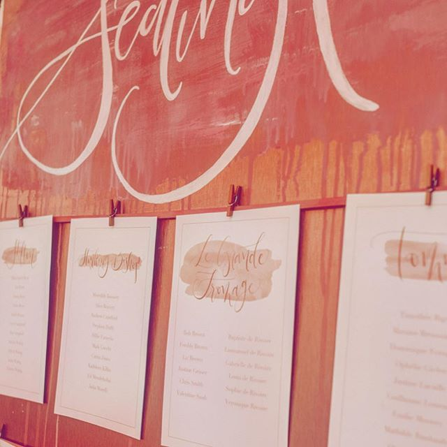 {P A I N T E D  P L A N} . Let your imagination run wild for your seating plan. Like this one done for a very special couple that tied into their invitations & other stationery: dripping blush pink paint on copper composite with tables hung by copper pegs on blush pink ribbon 🧡💗 . 📸: @lemonadepictures . #deliriumcalligraphy #copper #blushpink #copperseatingplan #paintedseatingplan #uniqueseatingplan #allpinkeverything #coppereverywhere #ukweddingstationer #creativewedding #calligraphy #moderncalligraphy #bespokecalligraphy #calligraphylove #weddingstationery #stationery #calligraphyuk #weddinglondon #calligraphylondon #ukwedding #calligraphystyle #modernlettering #blushpinkwedding #copperwedding