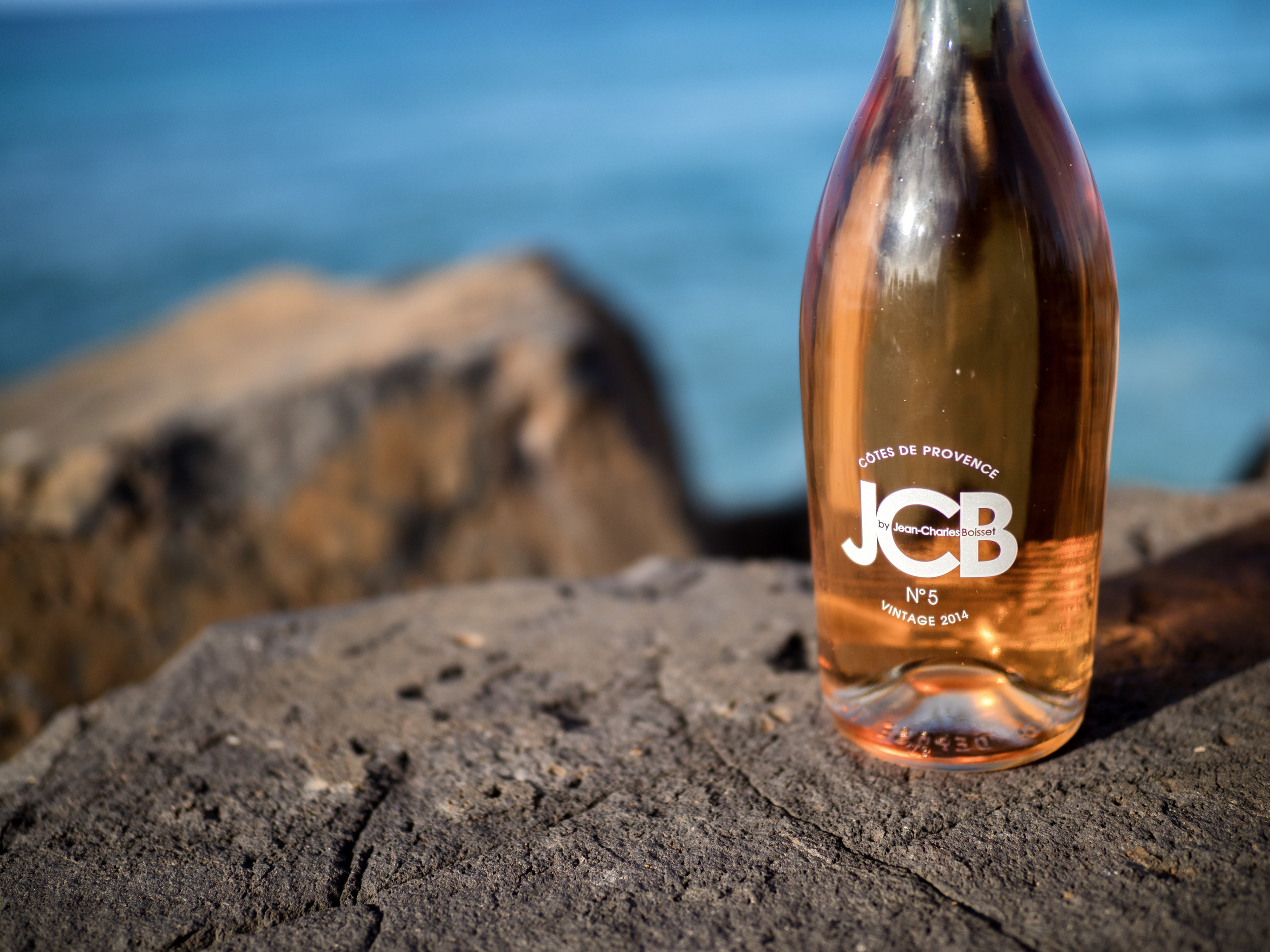 This Provençal rosé feels right at home basking in the warm sun by the sea.