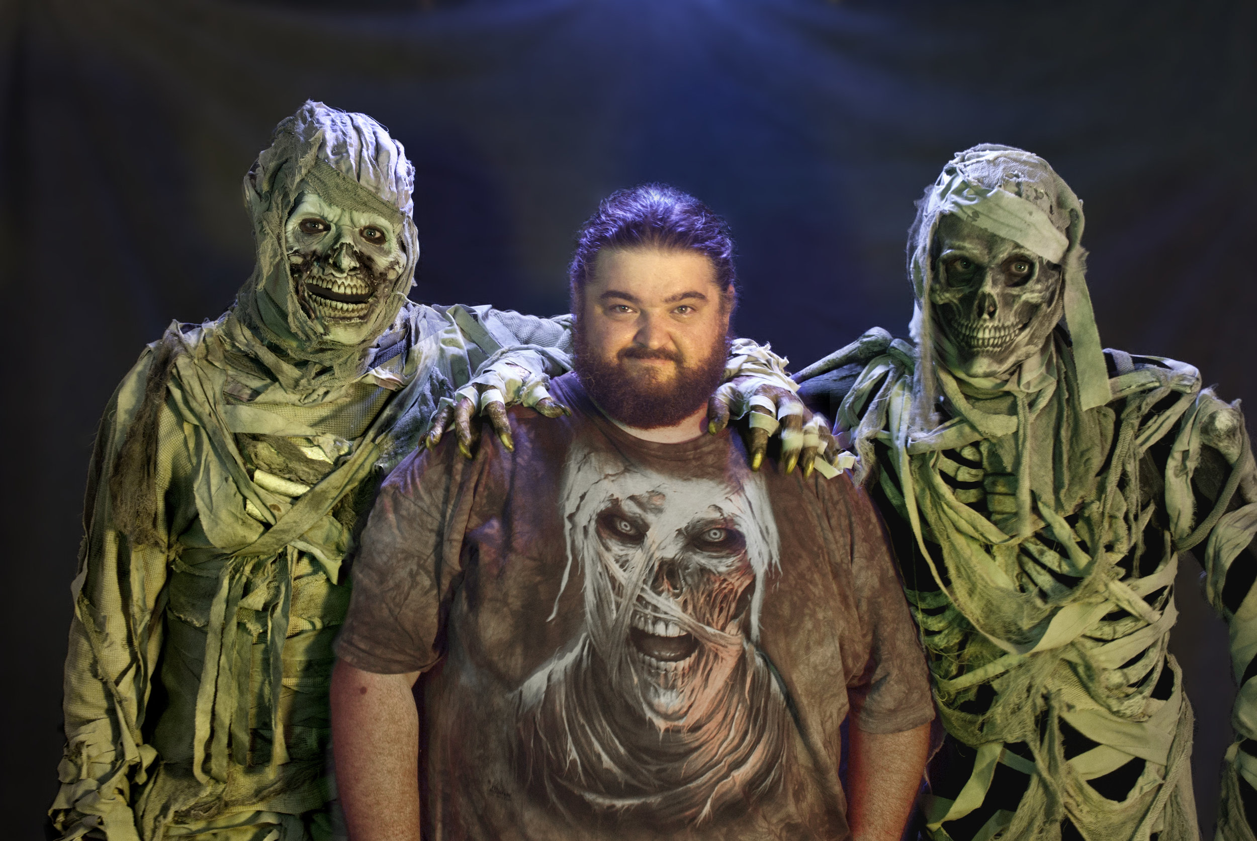 Musings by the Glass - Spooky Wines with Jorge Garcia - Skeleton Key Hawaii Mummies and Jorge Garcia
