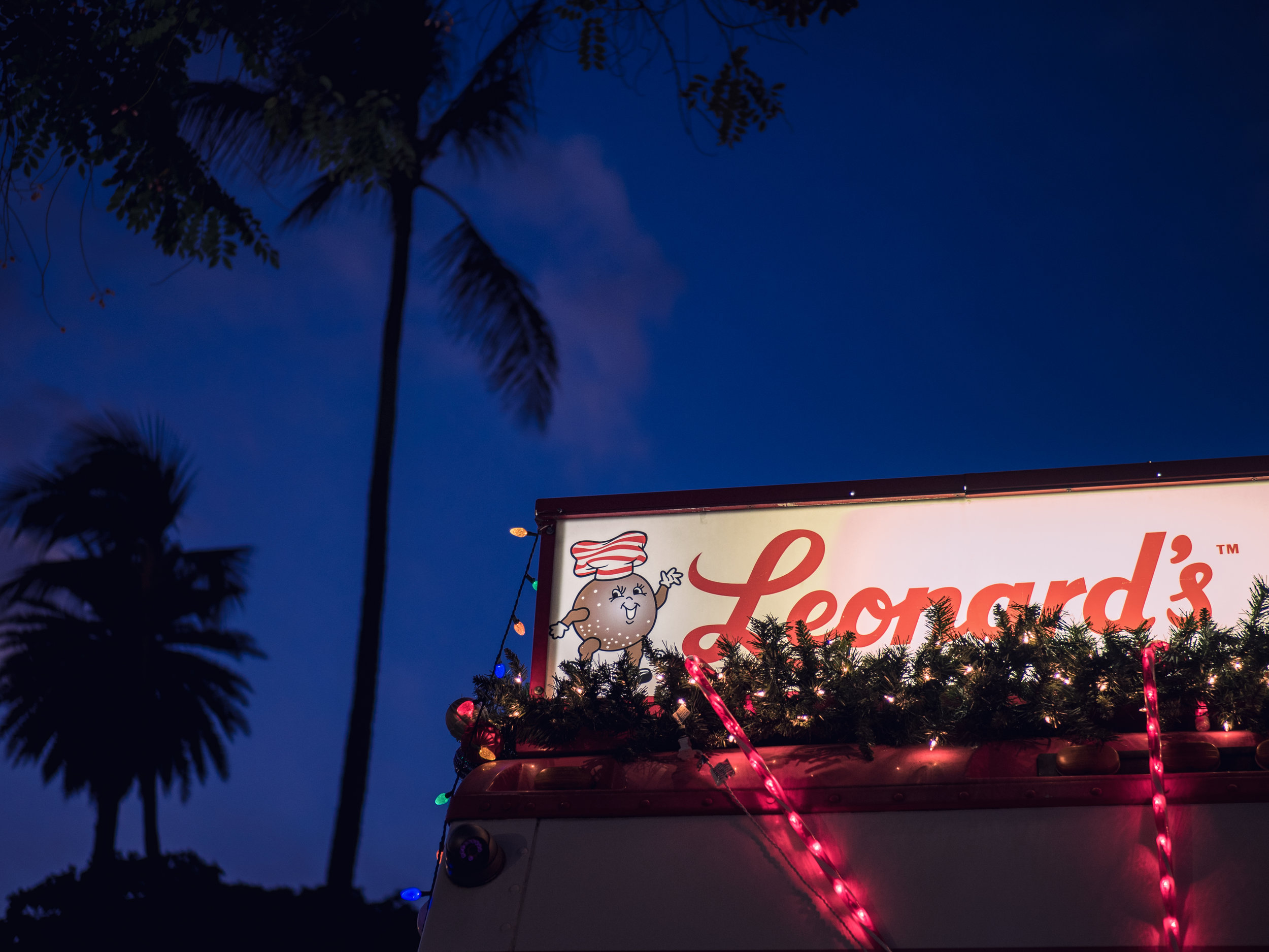 Musings by the Glass - Eggnog and Malasadas - Leonard's Malasadas Truck at Honolulu City Lights