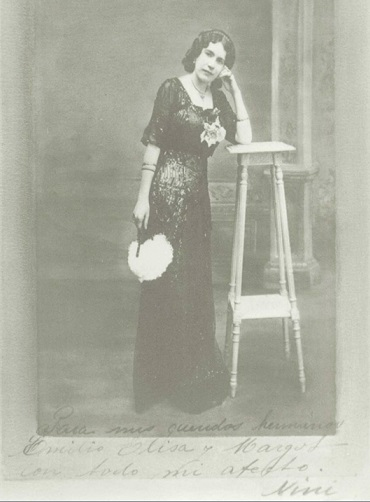 Nini (full name Jeanette Mauri)