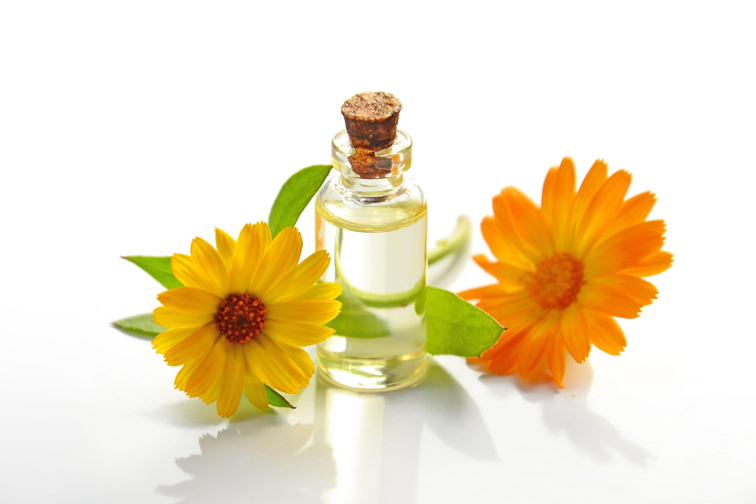 aromatherapy-bottle-bright-932587.jpg